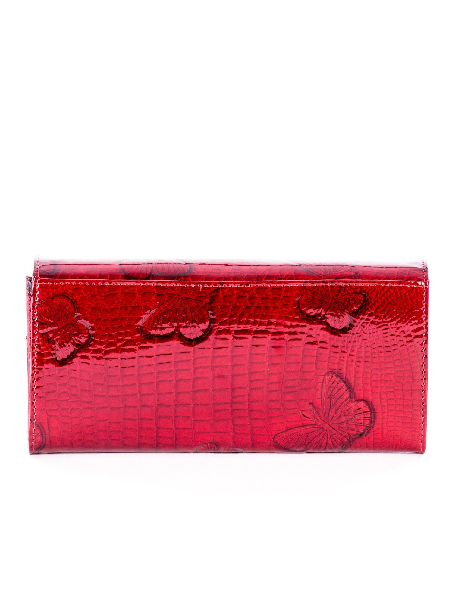 19823503fd960 Czerwony lakierowany portfel ze skóry w motyle - Akcesoria portfele - sklep  eButik.pl