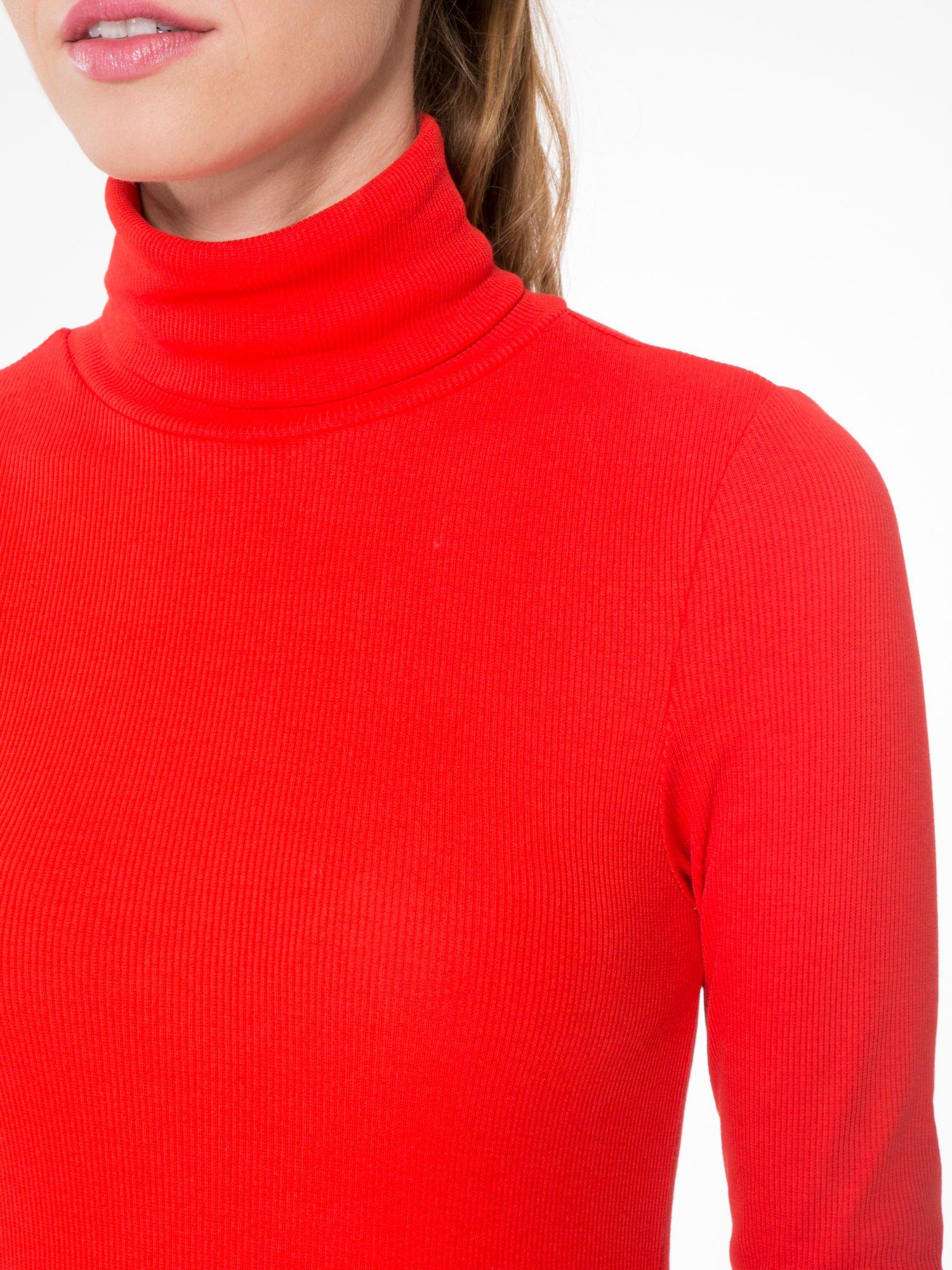 Czerwony prążkowany golf damski                                  zdj.                                  5