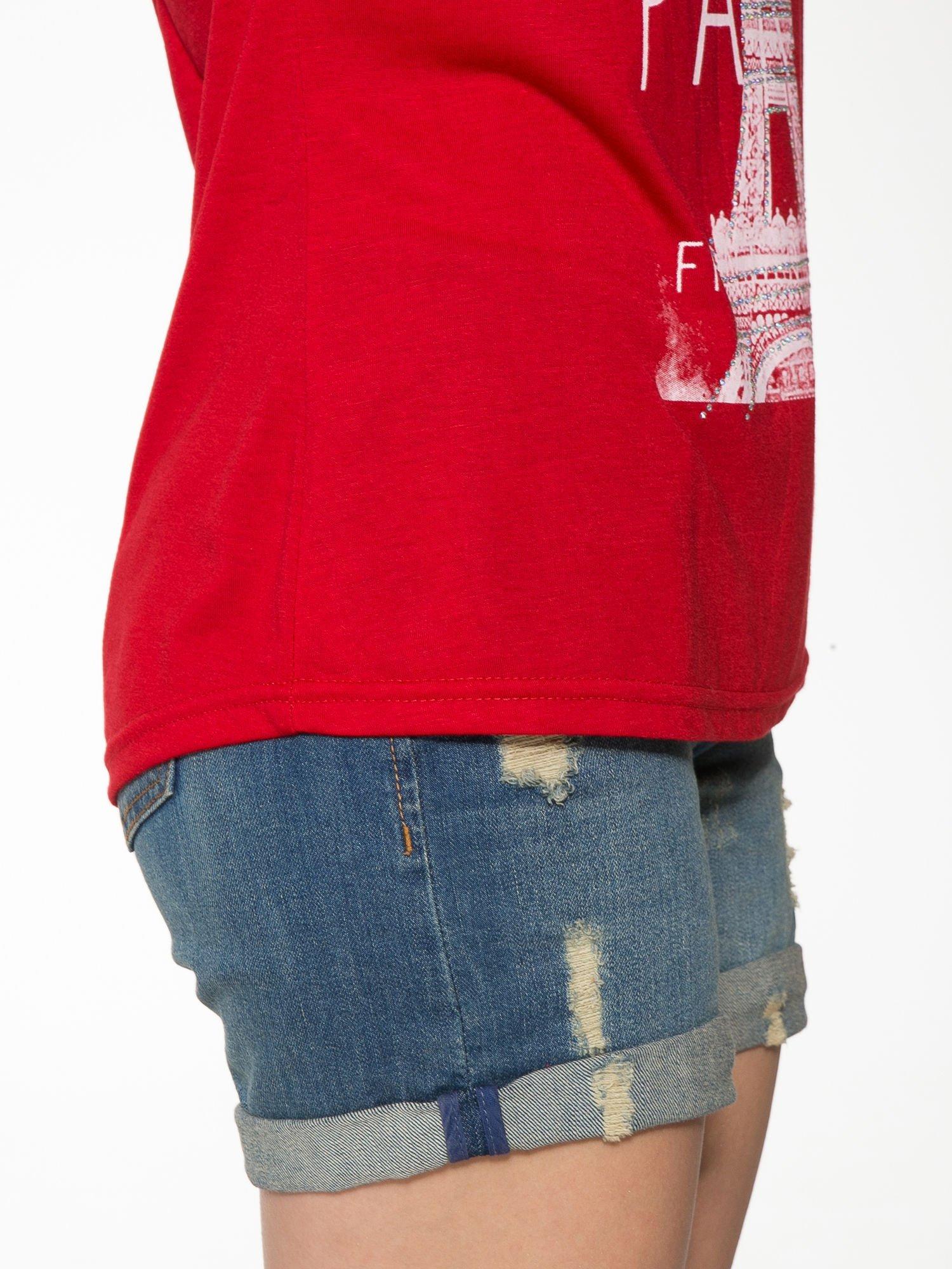 Czerwony t-shirt z motywem Paryża                                  zdj.                                  9