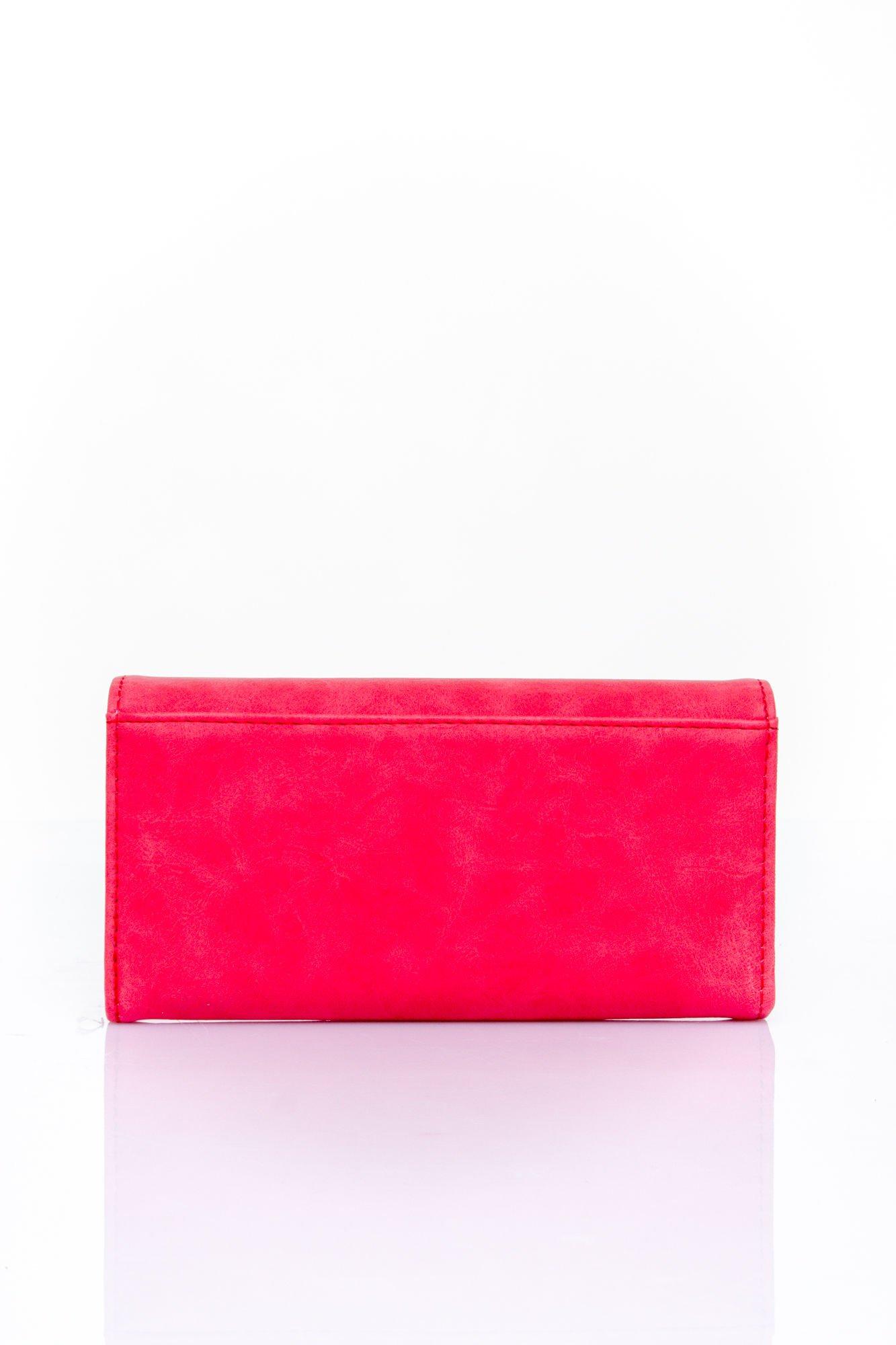 Czerwony zamszowy portfel z geometrycznym motywem                                  zdj.                                  2