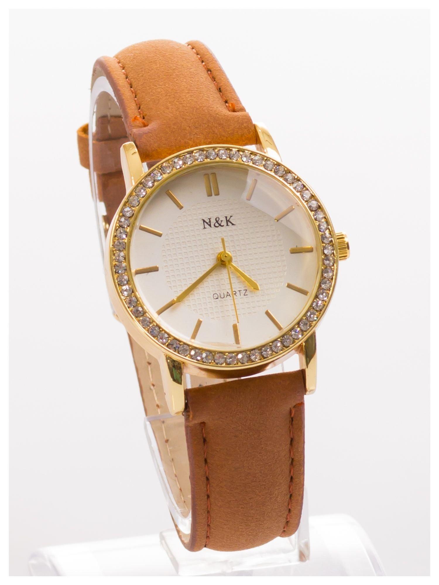 Damski zegarek z cyrkoniami, na welurowym pasku. Klasyczny z nutką elegancji.Poczuj się wyjątkowo!                                  zdj.                                  2