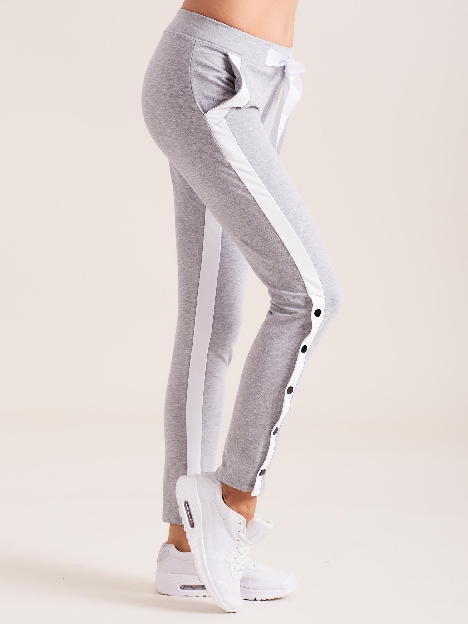 72e5f4cb7d248e Dresowe spodnie damskie z lampasami szare - Spodnie Dresowe - sklep ...