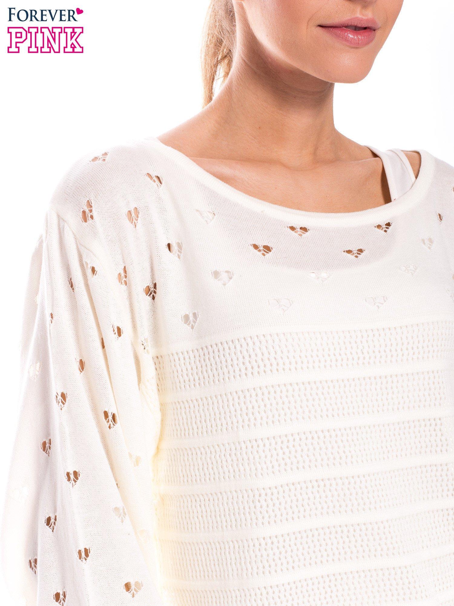 Ecru ażurowy sweter w serduszka                                  zdj.                                  5