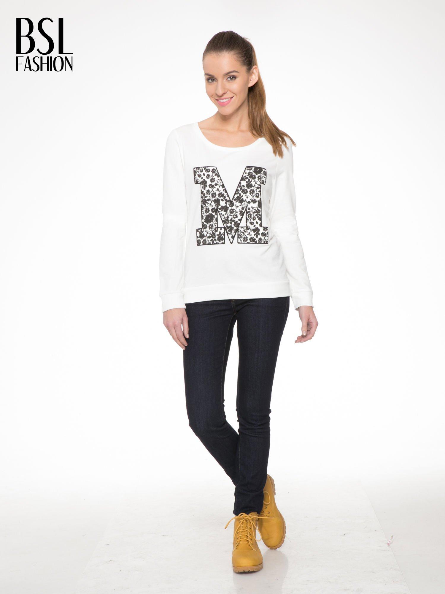 Ecru bluza z kwiatowym nadrukiem litery M                                  zdj.                                  2