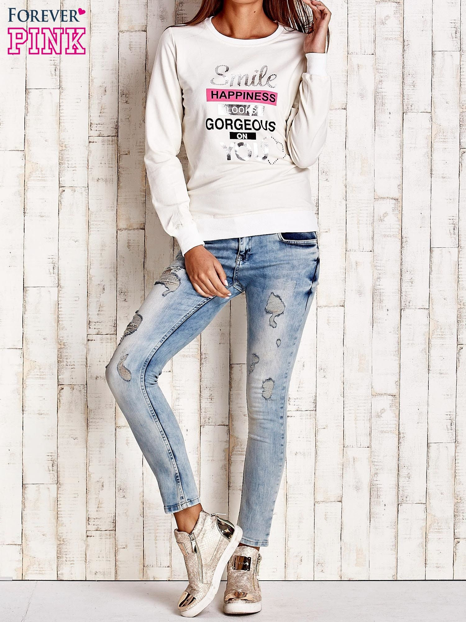 Ecru bluza z napisem SMILE HAPPINESS LOOKS GORGEOUS ON YOU                                  zdj.                                  4