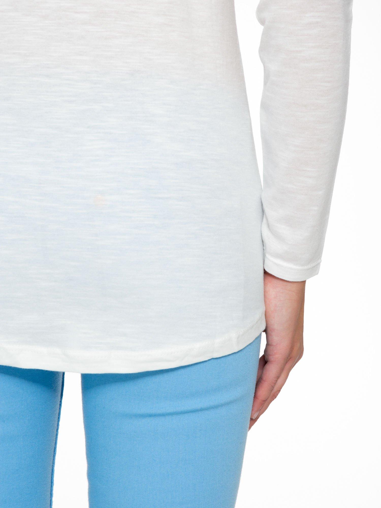 Ecru bluzka z nadrukiem krajobrazu i napisem WANDER                                  zdj.                                  9