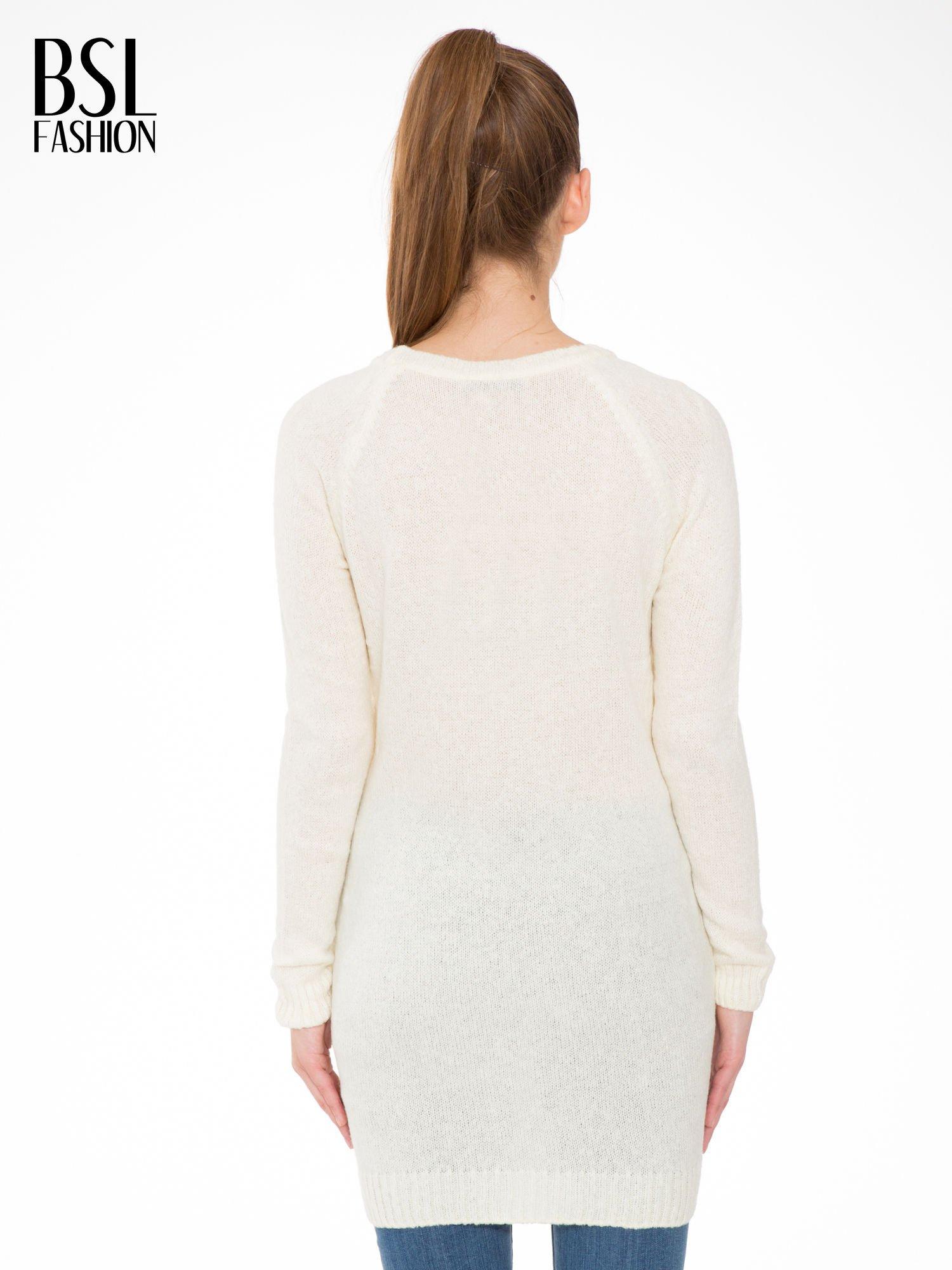 Ecru długi sweter z nadrukiem gwiazdy                                  zdj.                                  4