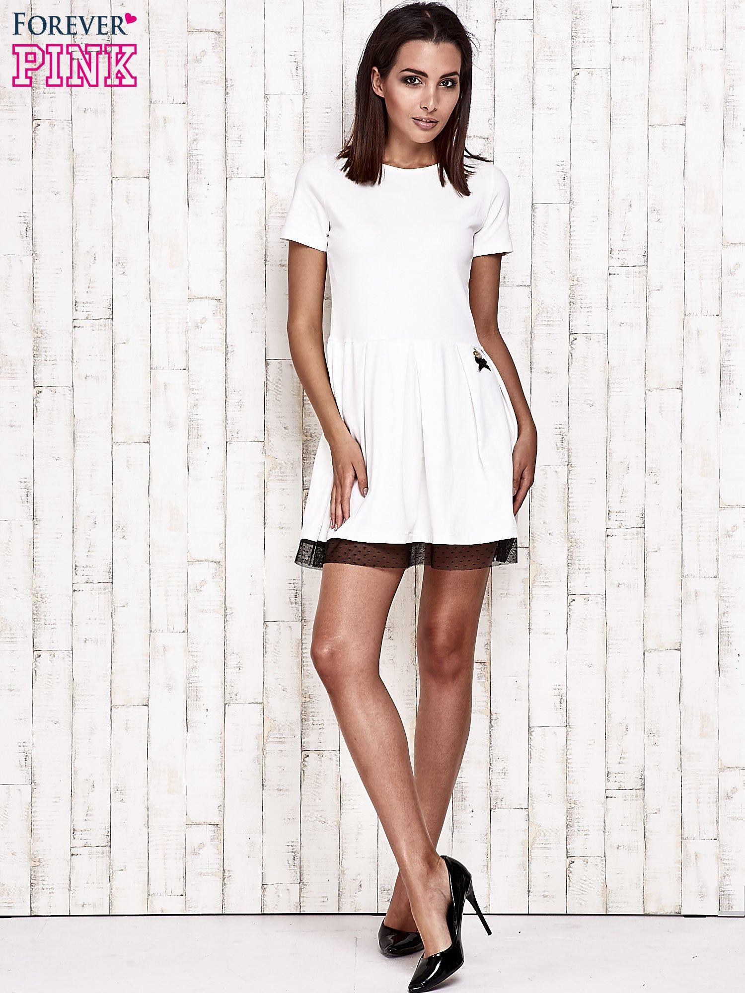 Ecru sukienka dresowa z tiulem w groszki                                  zdj.                                  6