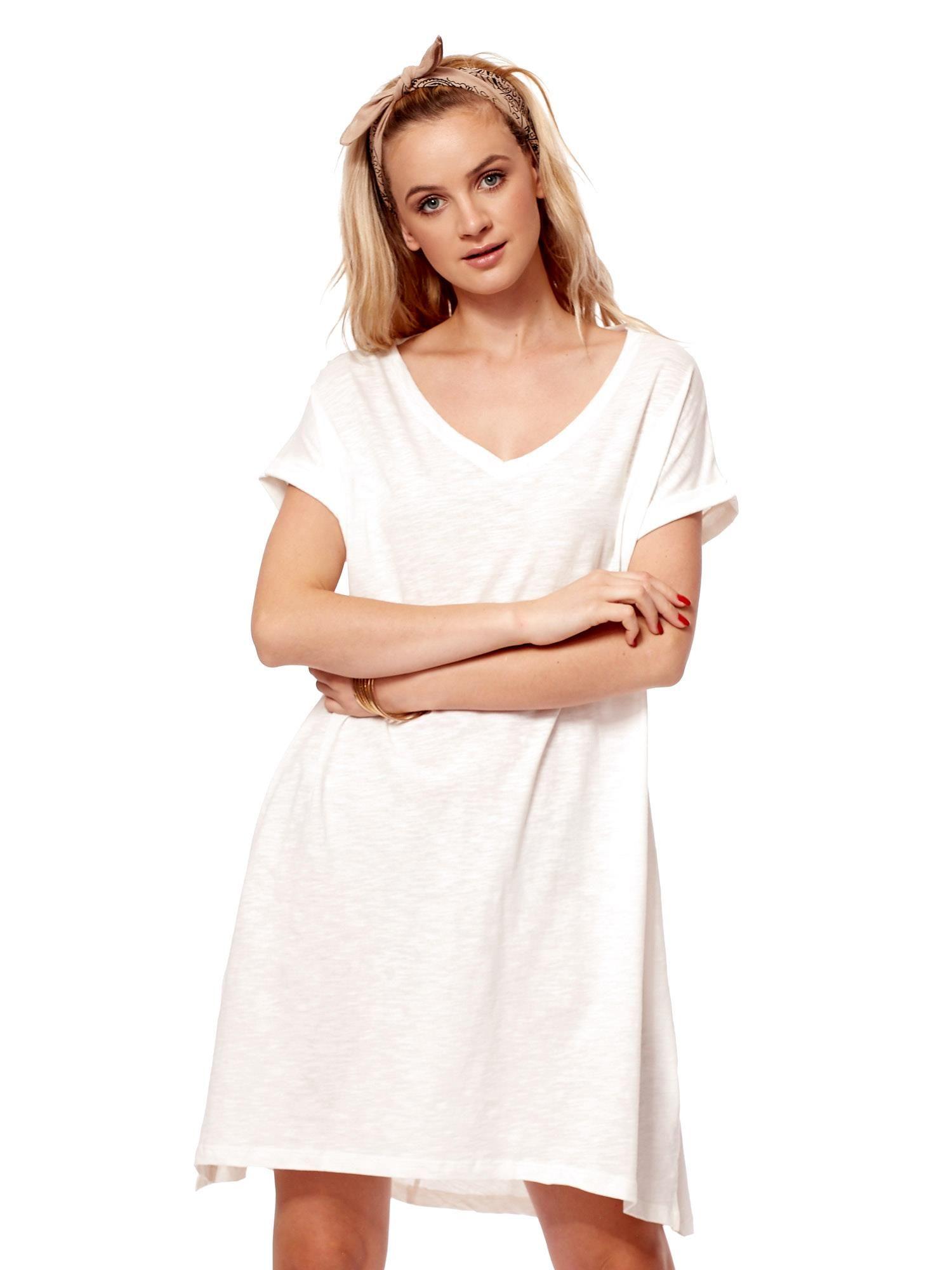 14381c76f6 Ecru sukienka z podwijanymi rękawami - Sukienka oversize - sklep eButik.pl