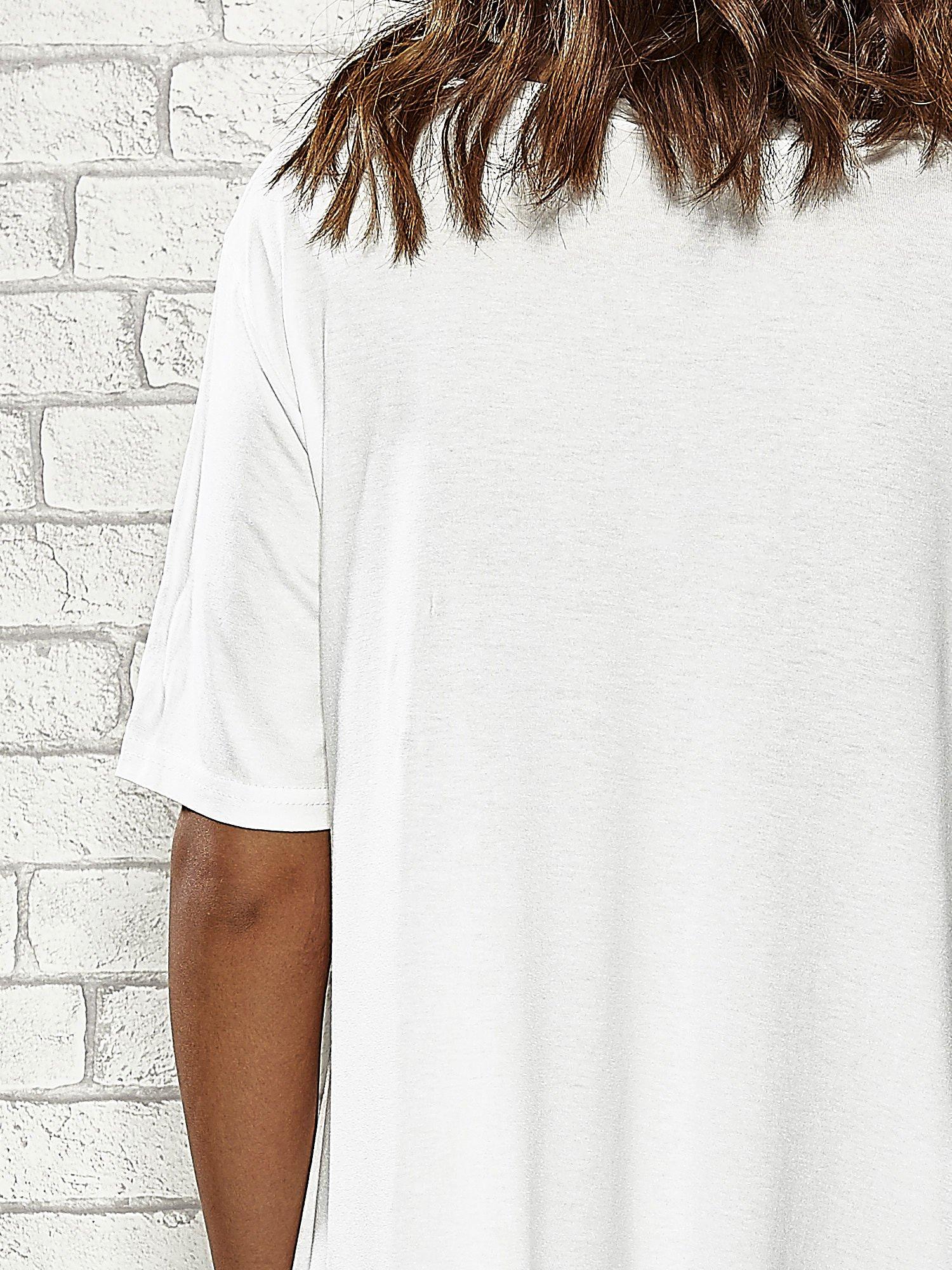 Ecru sukienka z wydłużanymi bokami                                  zdj.                                  5