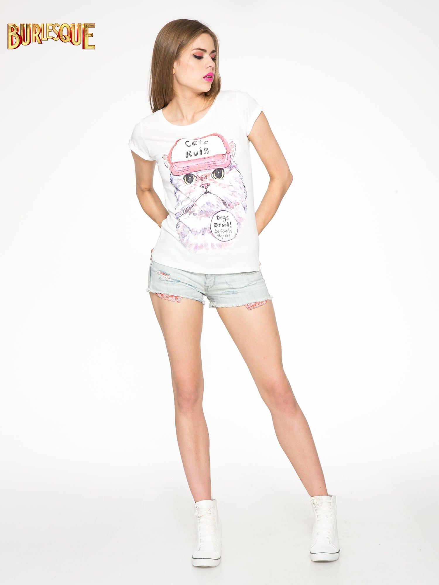 Ecru t-shirt z nadrukiem kota i napisem CATS RULE                                  zdj.                                  2