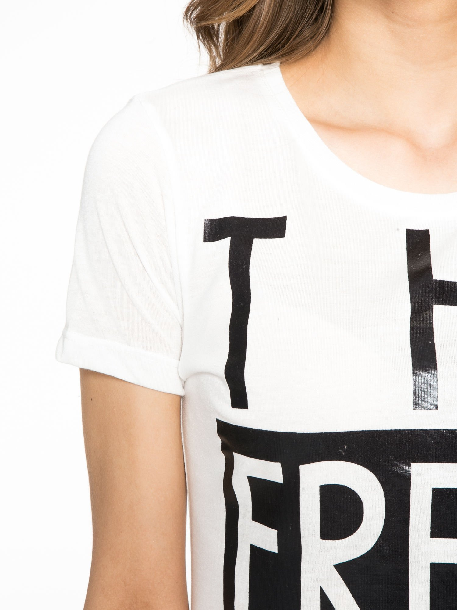 Ecru t-shirt z napisem THE FREAK IS CHIC                                  zdj.                                  5
