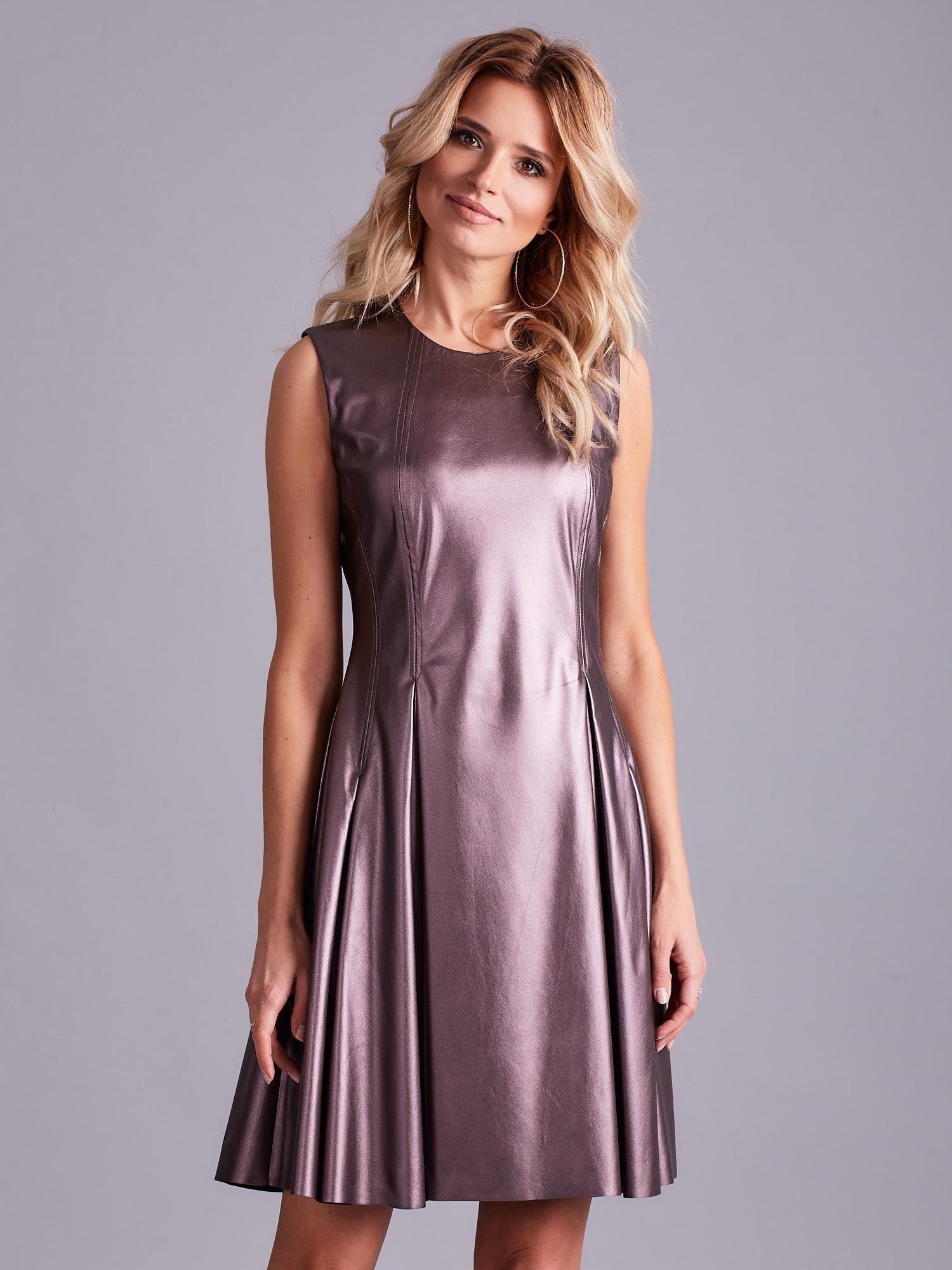 818cbfb09c Fioletowa sukienka z ekoskóry - Sukienka rozkloszowana - sklep eButik.pl