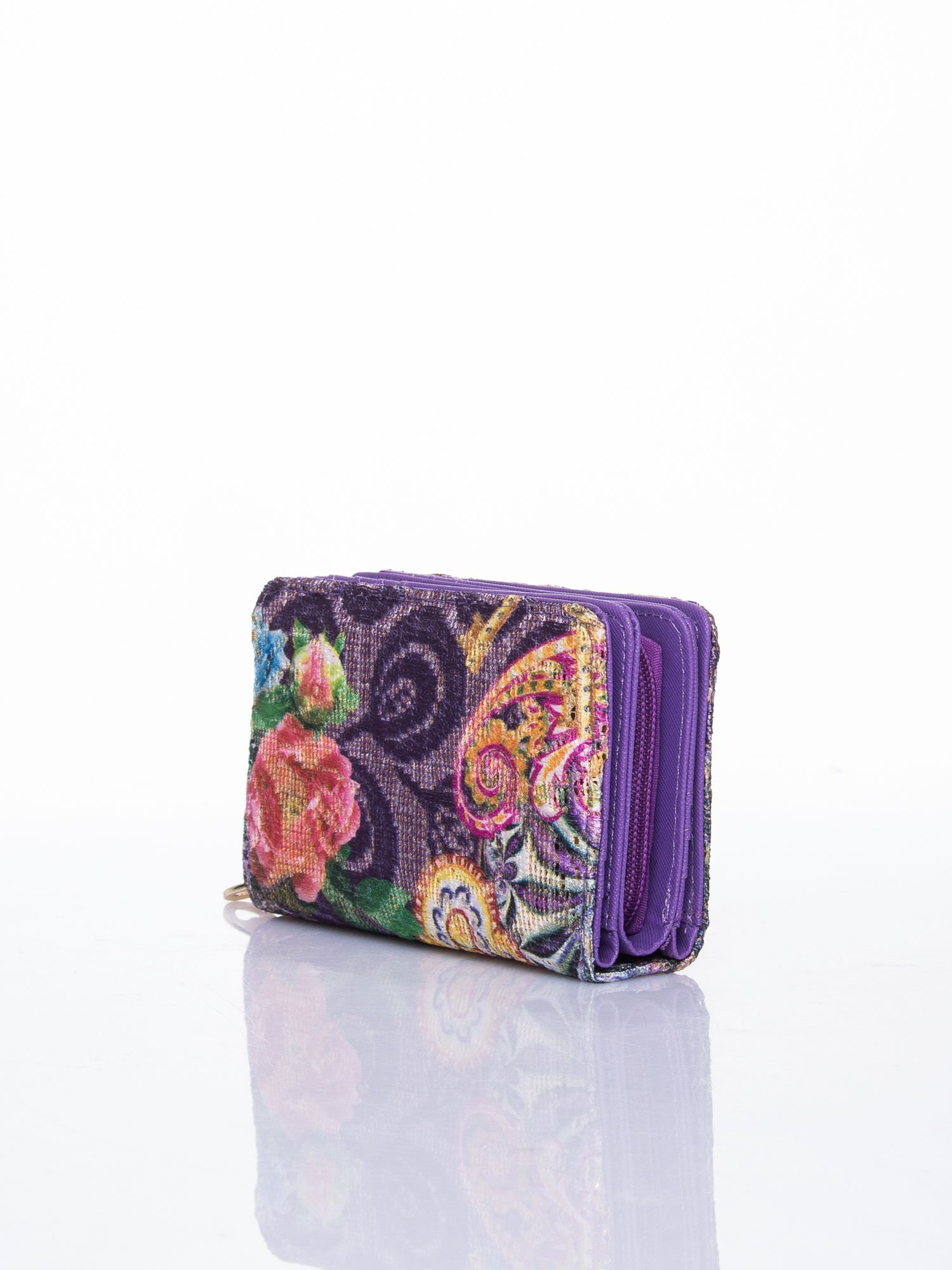 Fioletowy portfel z kwiatowymi motywami                                  zdj.                                  3