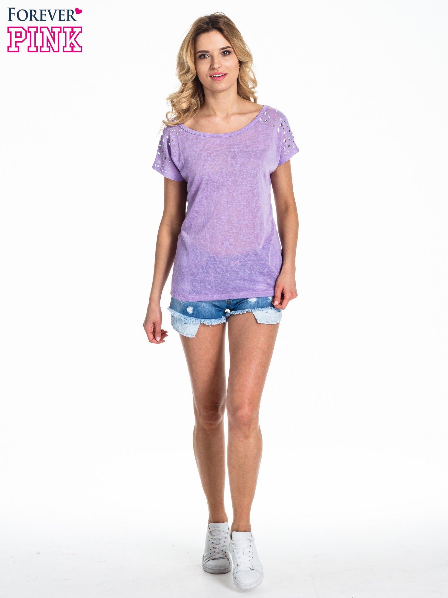 Fioletowy t-shirt z kryształkami na rękawach                                  zdj.                                  5