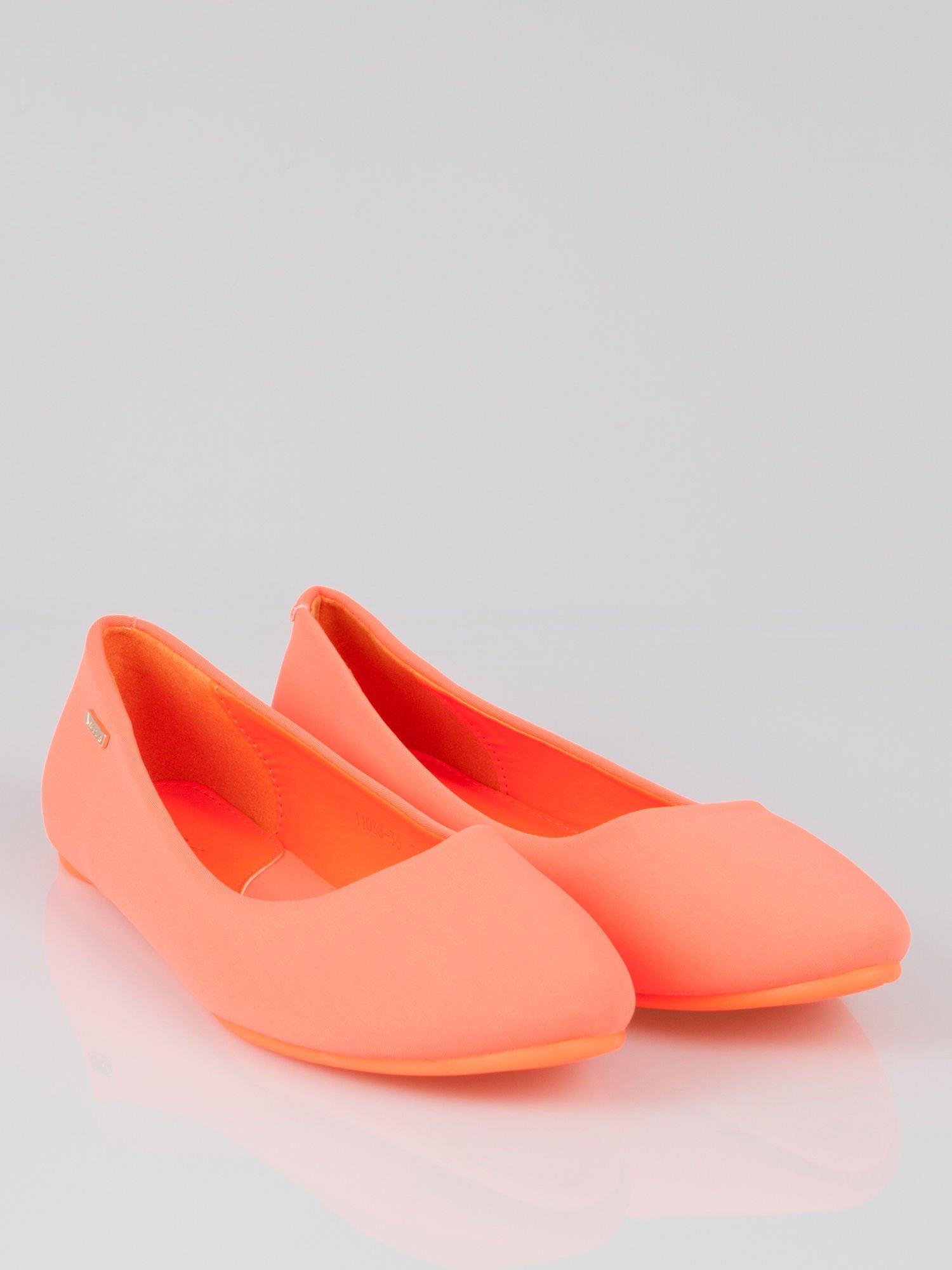 Fluopomarańczowe lekkie baleriny California                                  zdj.                                  1