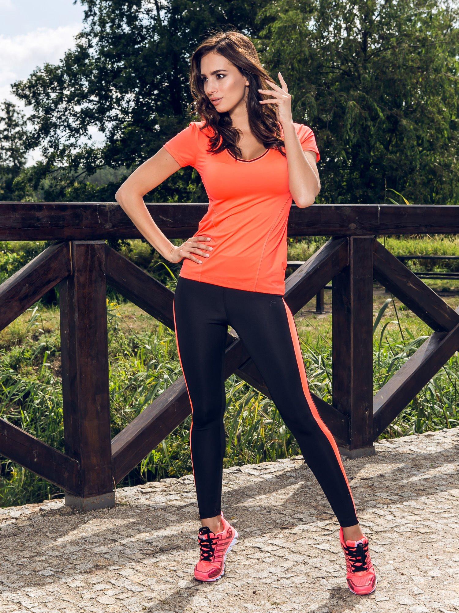 Fluoróżowy termoaktywny t-shirt sportowy z siateczką przy dekolcie i z tyłu ♦ Performance RUN                                  zdj.                                  10