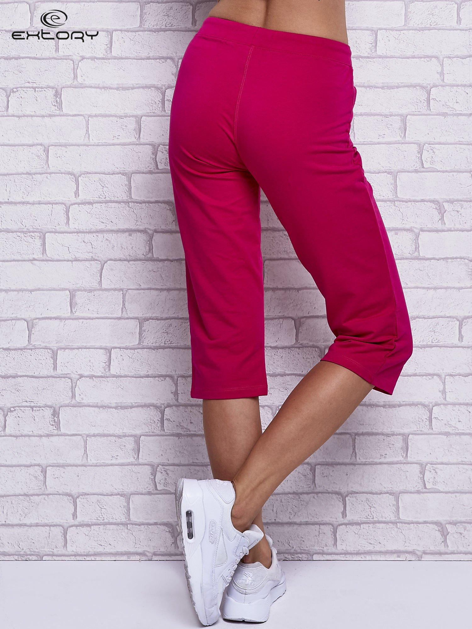 Fuksjowe spodnie capri z wszytymi kieszonkami                                  zdj.                                  2