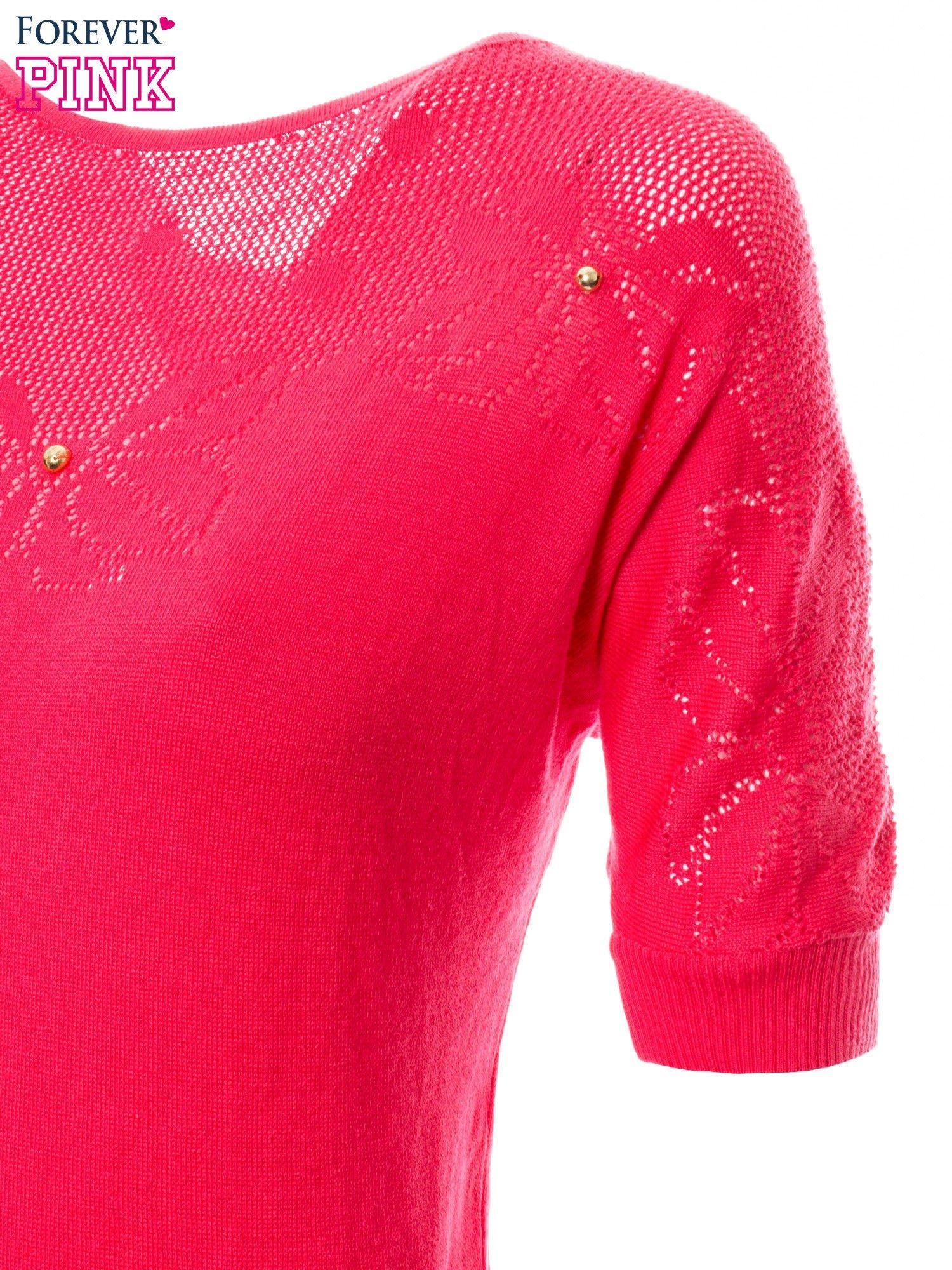 Fuksjowy sweter z ażurową górą i krótkim rękawkiem                                  zdj.                                  7
