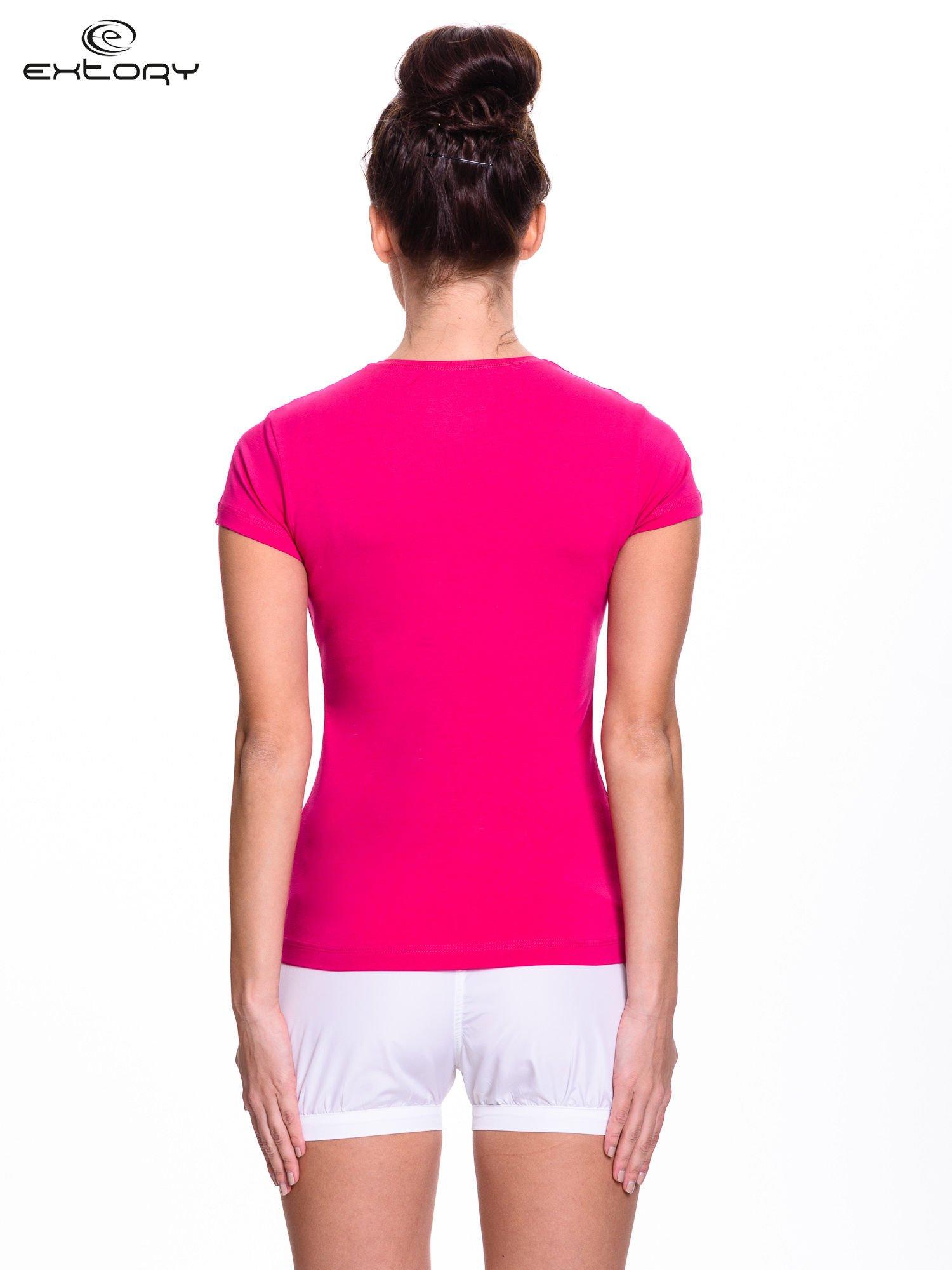 Fuksjowy t-shirt sportowy z paskiem z dżetów                                  zdj.                                  4