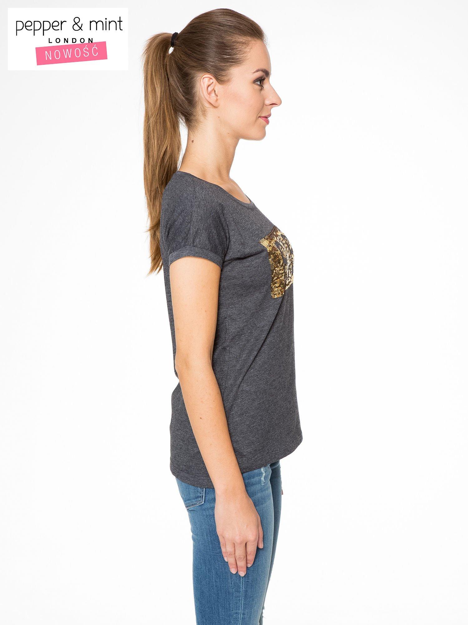 Grafitowy t-shirt z napisem BABE z cekinów                                  zdj.                                  3