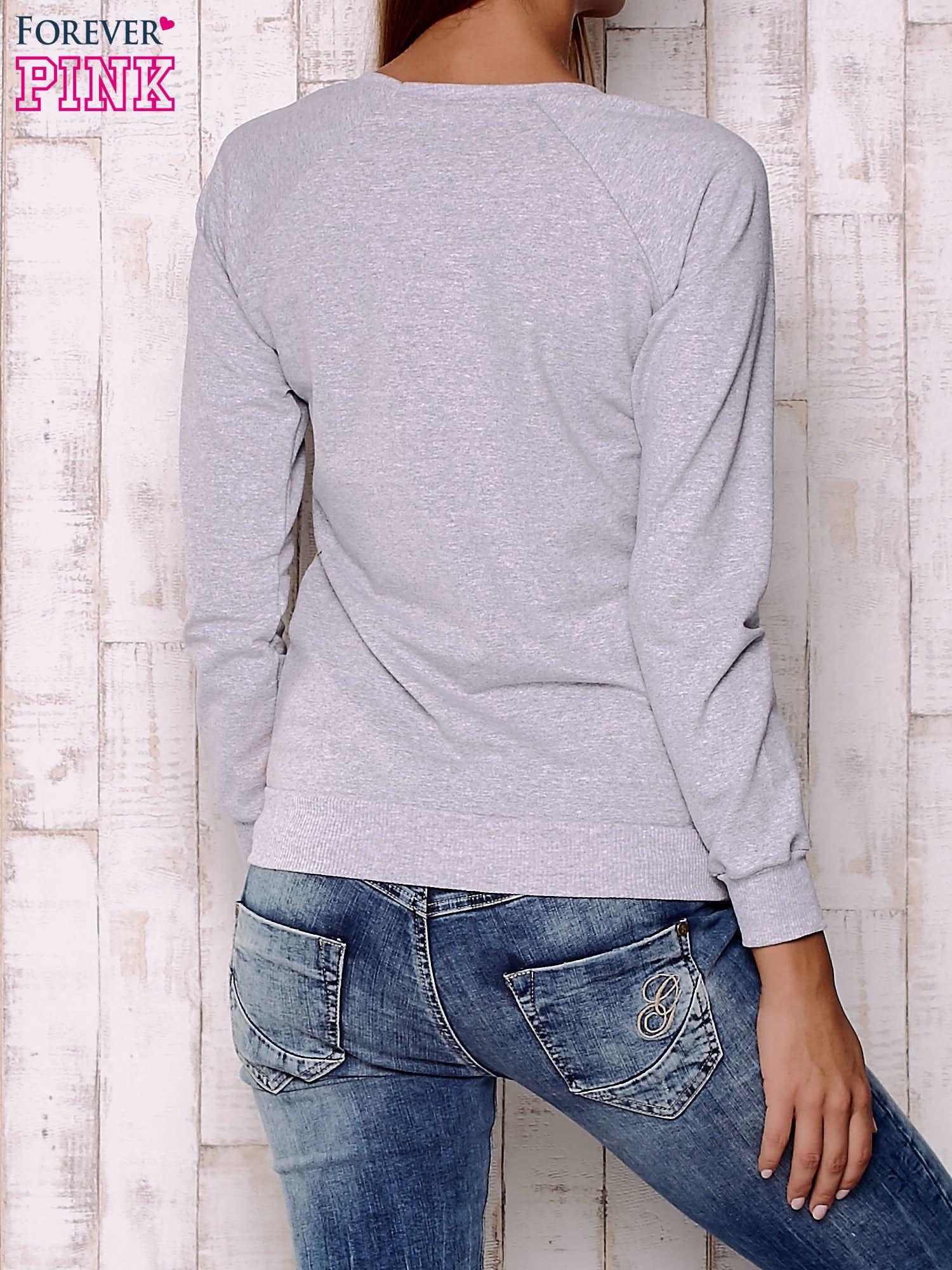 Granatowa bluza damska z nadrukiem emotikonów                                  zdj.                                  3