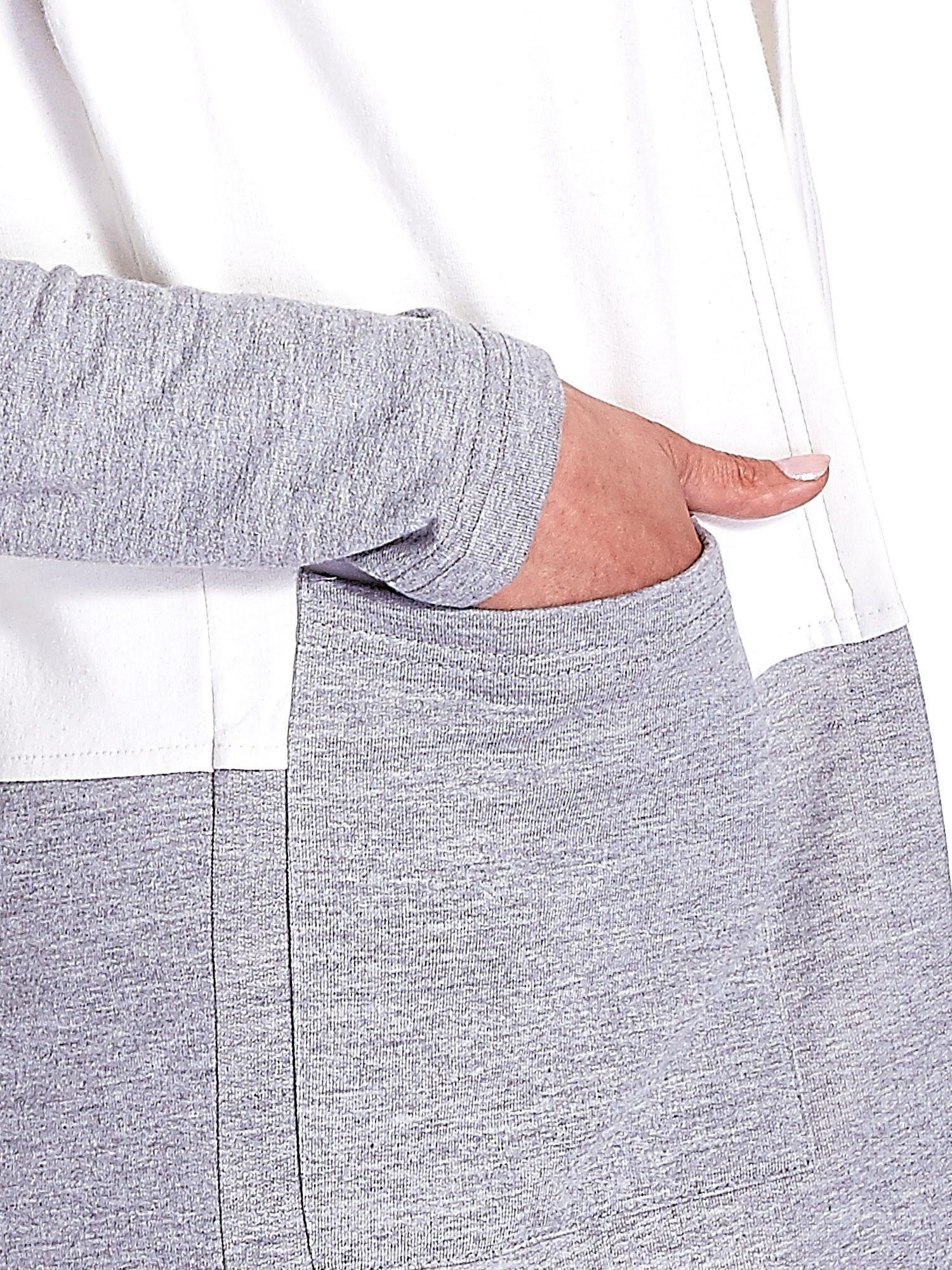 Granatowa bluza w szerokie kolorowe pasy                                  zdj.                                  7