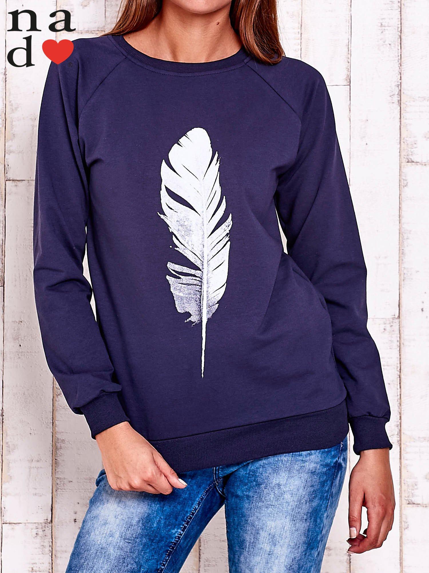 Granatowa bluza z piórkiem                                  zdj.                                  1