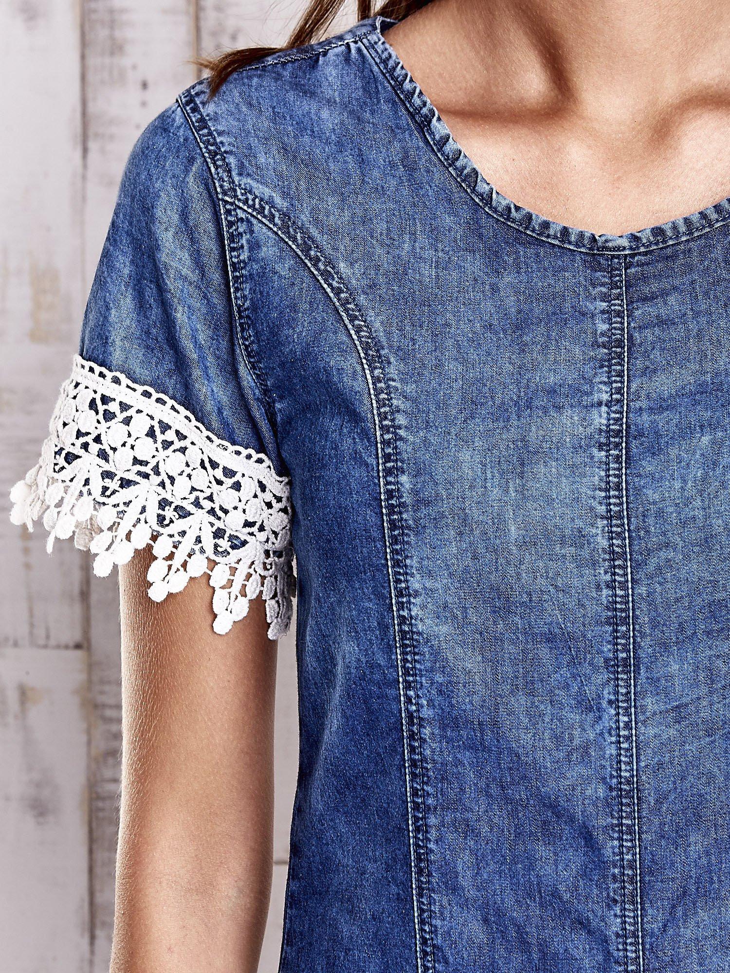 Granatowa jeansowa tunika z koronkowym wykończeniem                                  zdj.                                  6