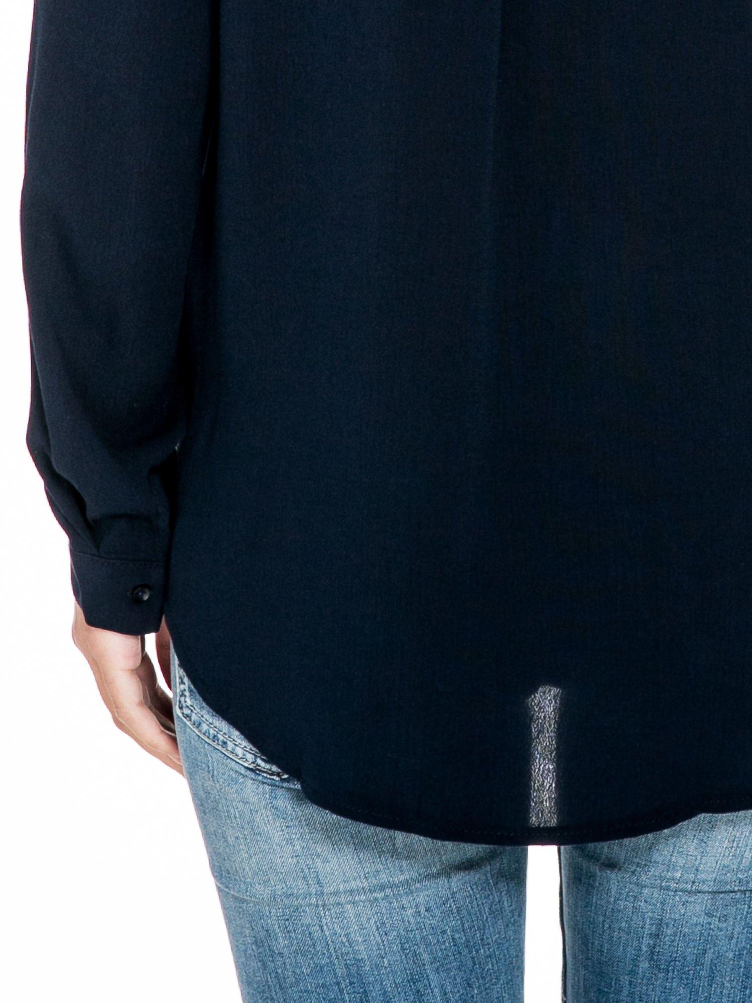 Granatowa koszula z kołnierzykiem zdobionym kamieniami                                  zdj.                                  8