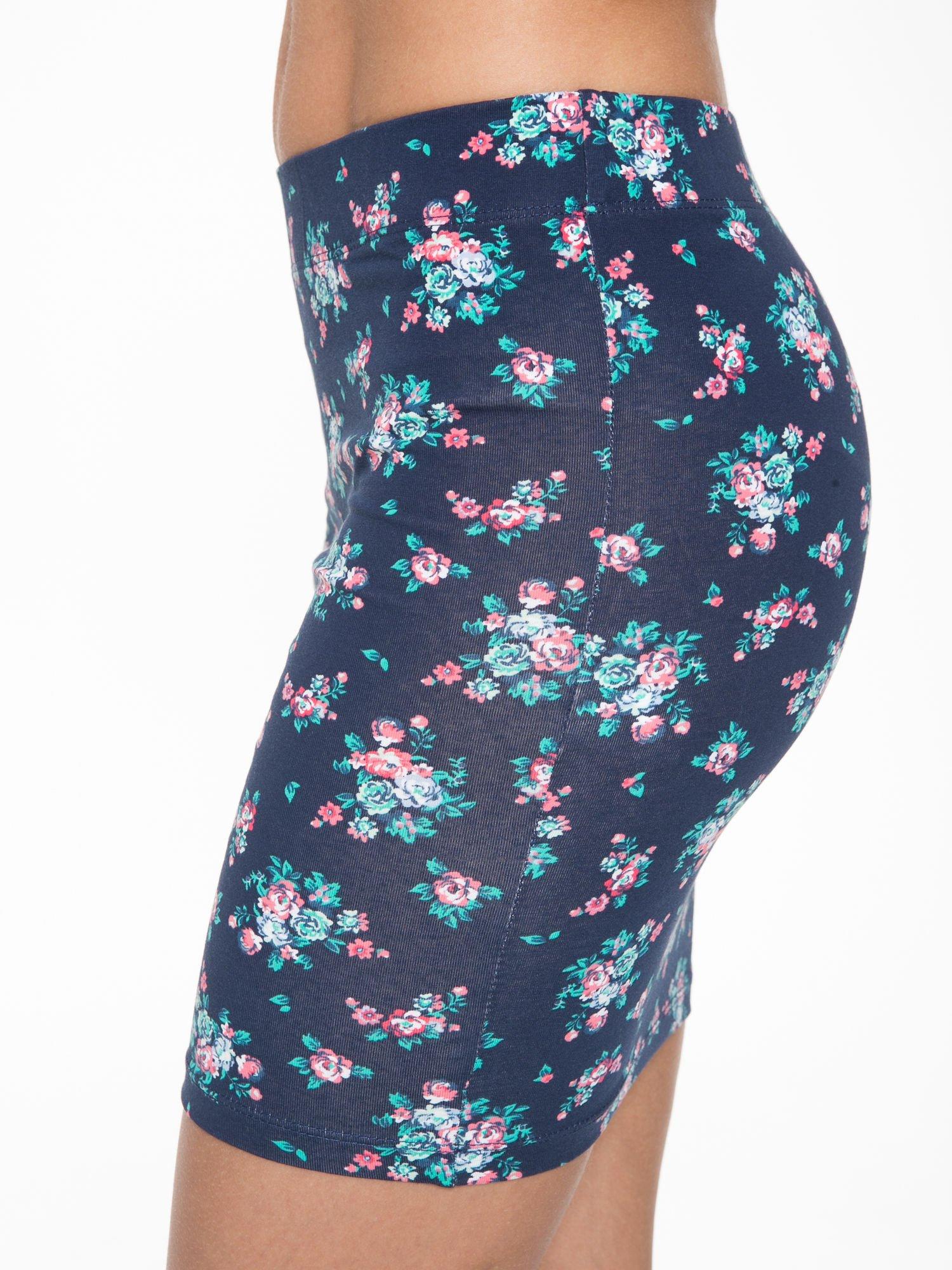 Granatowa mini spódnica tuba w kwiaty                                  zdj.                                  8