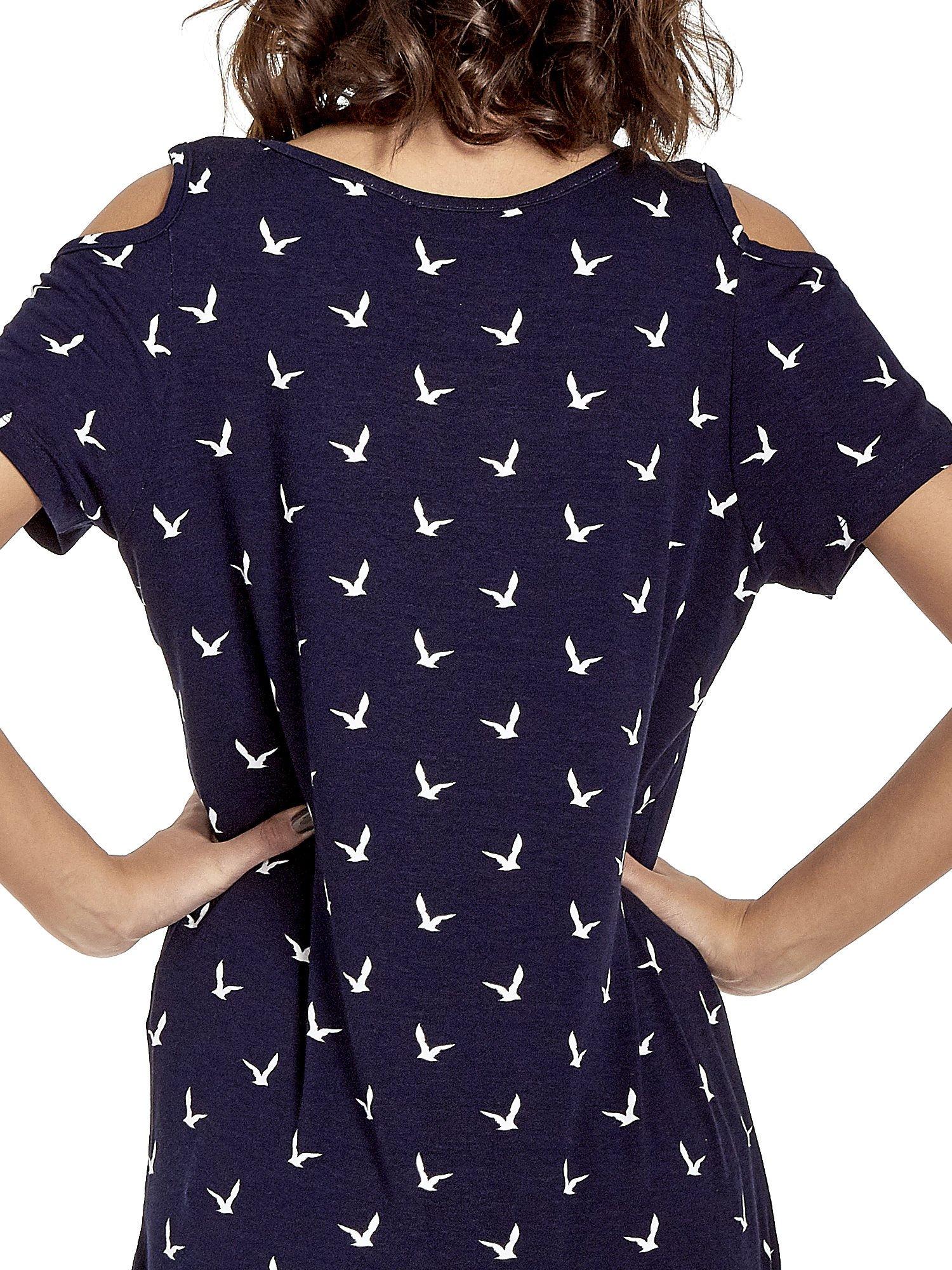 Granatowa sukienka cut out shoulder w ptaszki                                  zdj.                                  7