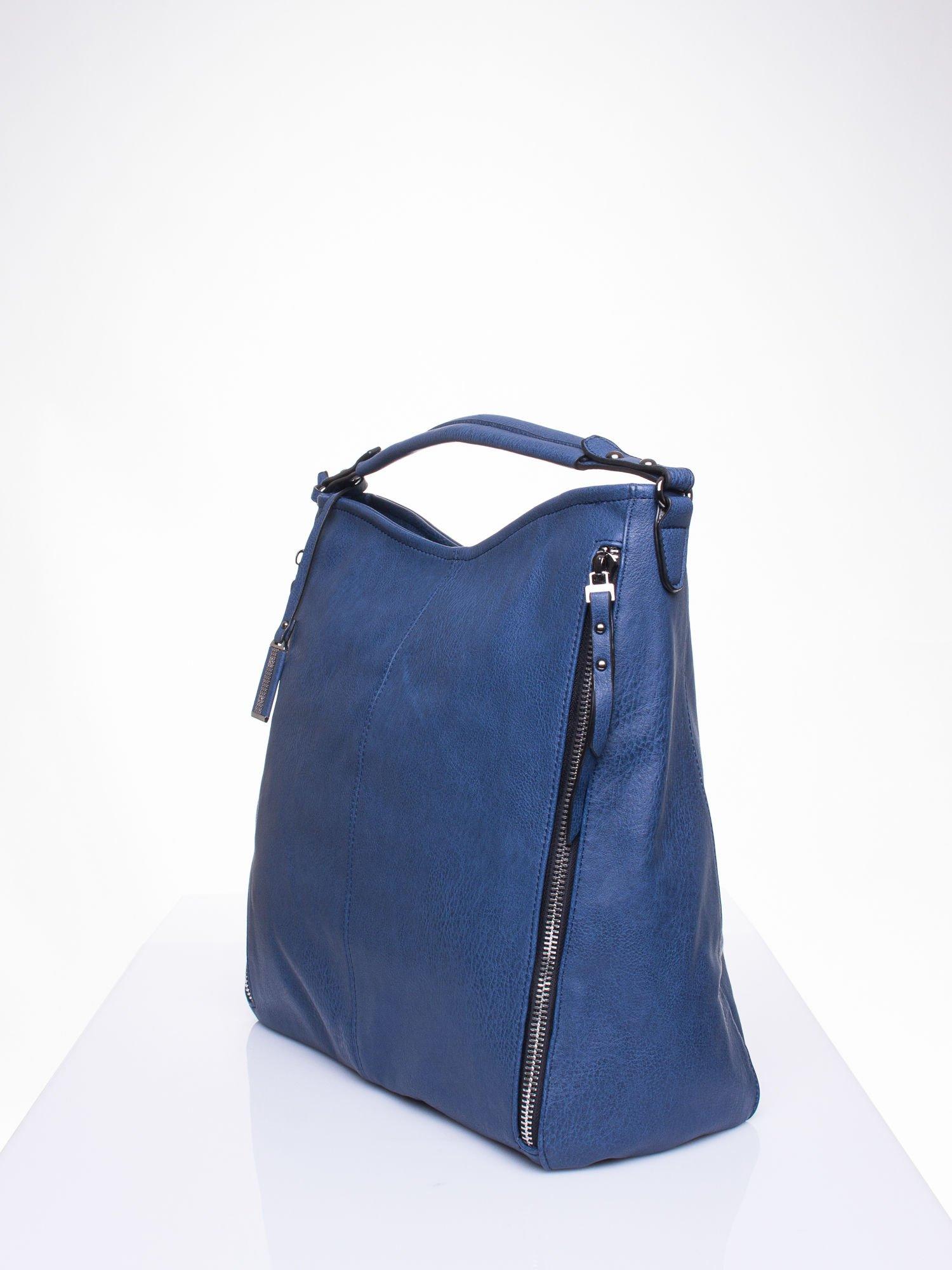 Granatowa torba hobo z suwakami po bokach                                  zdj.                                  3