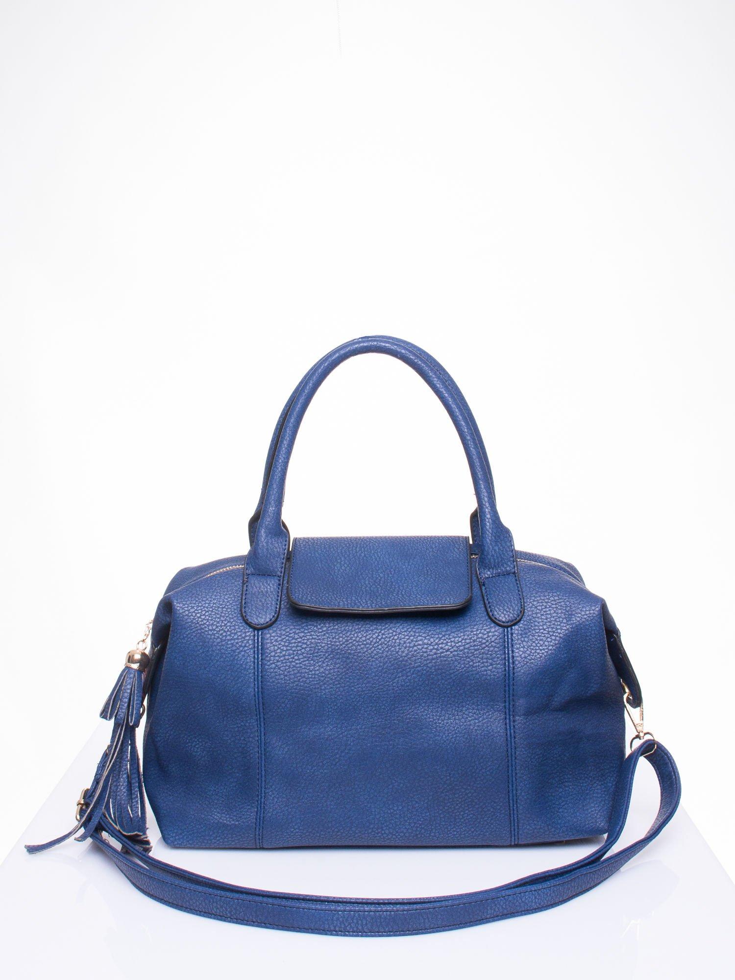Granatowa torba z klapką i odpinanym paskiem                                  zdj.                                  1