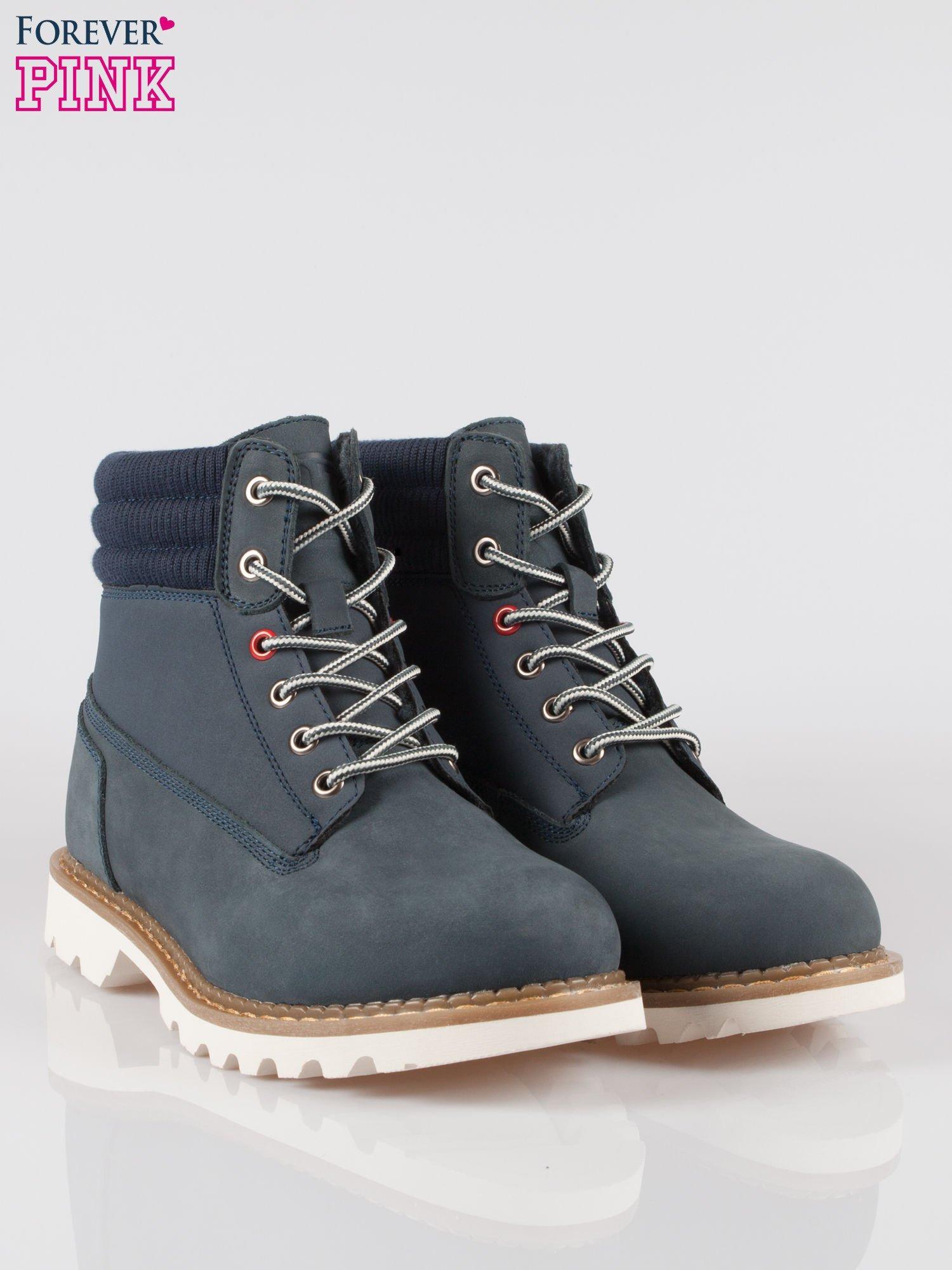 Granatowe buty trekkingowe traperki damskie z elastycznym kołnierzem ze skóry naturalnej                                  zdj.                                  2