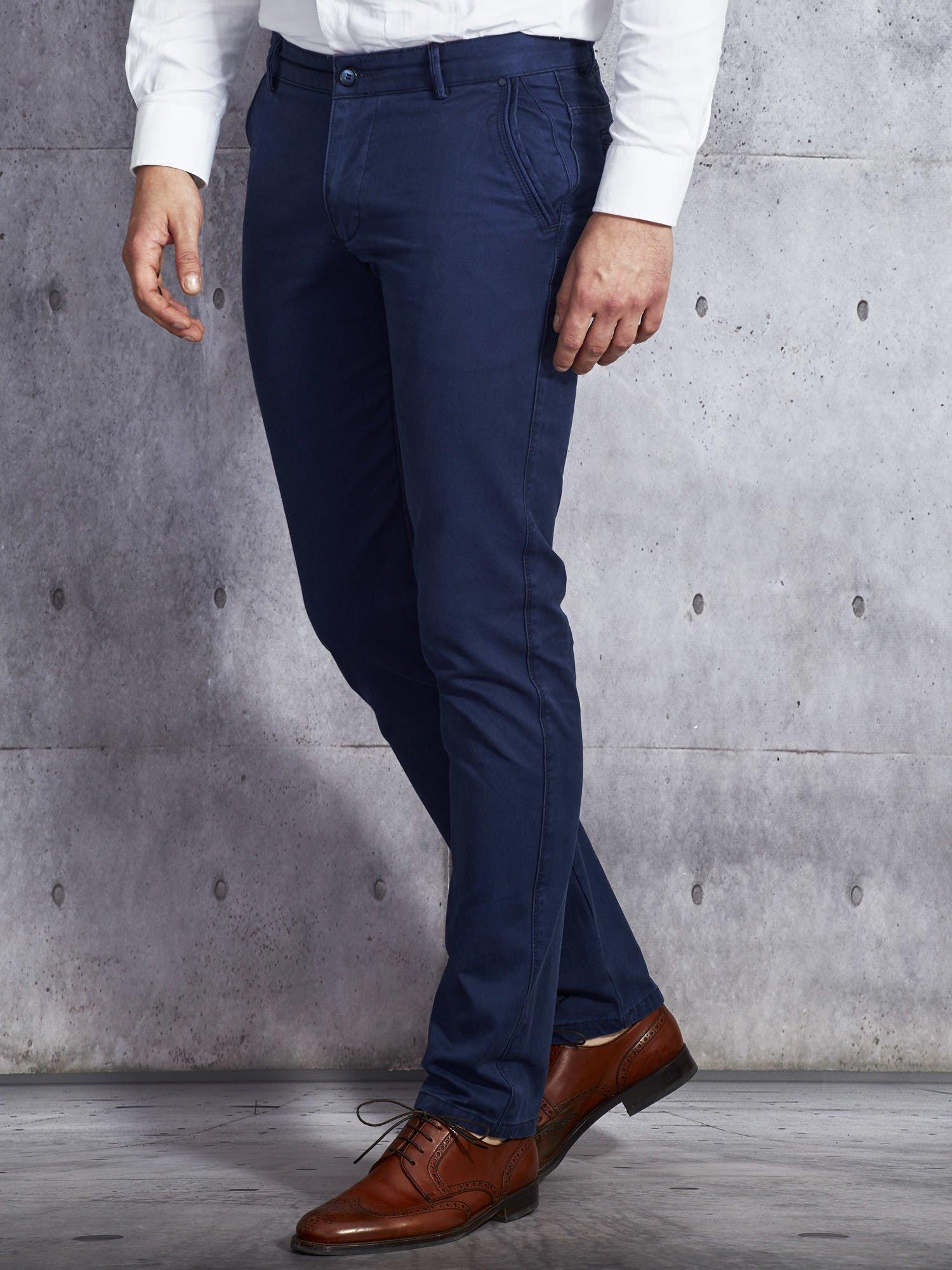3b29aa47e5122 Granatowe spodnie męskie o prostym kroju - Mężczyźni Spodnie z ...