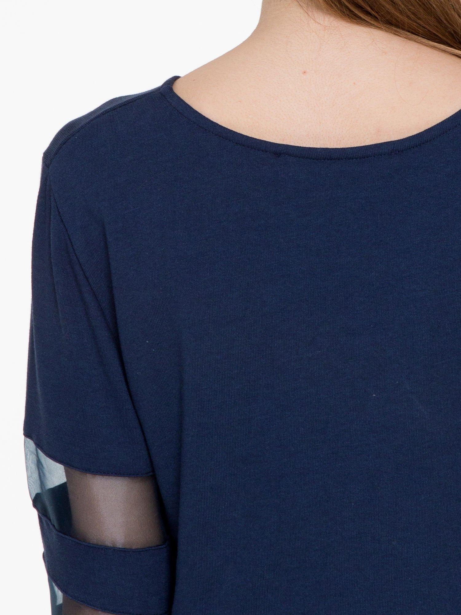 Granatowy cropped t-shirt z transparentnymi rękawami                                  zdj.                                  8