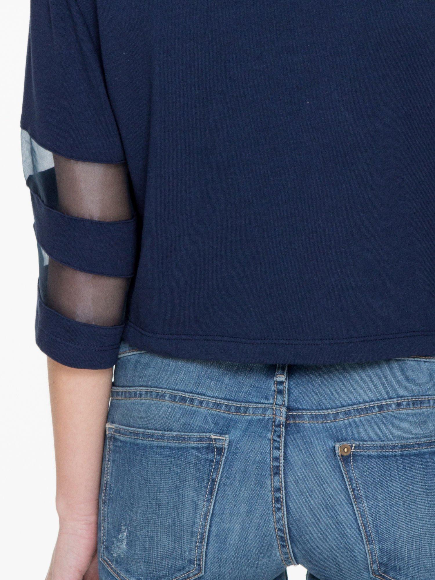 Granatowy cropped t-shirt z transparentnymi rękawami                                  zdj.                                  9
