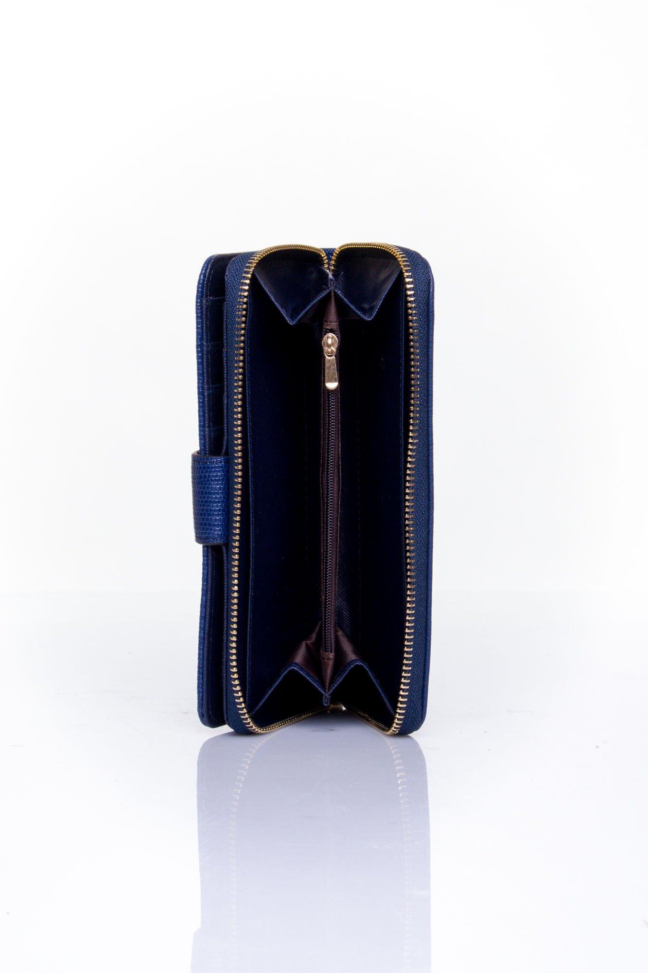 Granatowy portfel ze złotą klamerką                                  zdj.                                  5