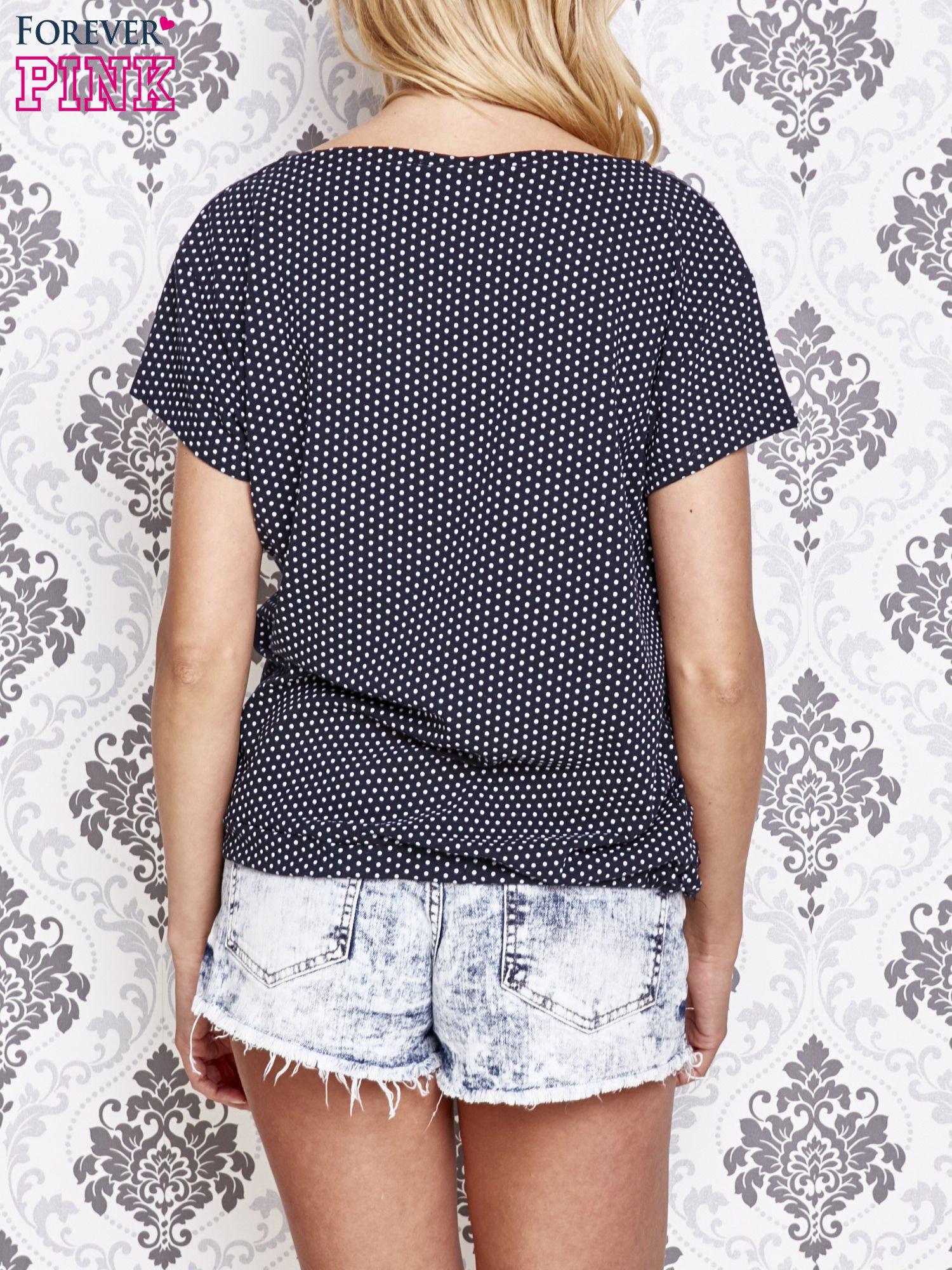 Granatowy t-shirt w drobne groszki z napisem LIU J❤                                  zdj.                                  4