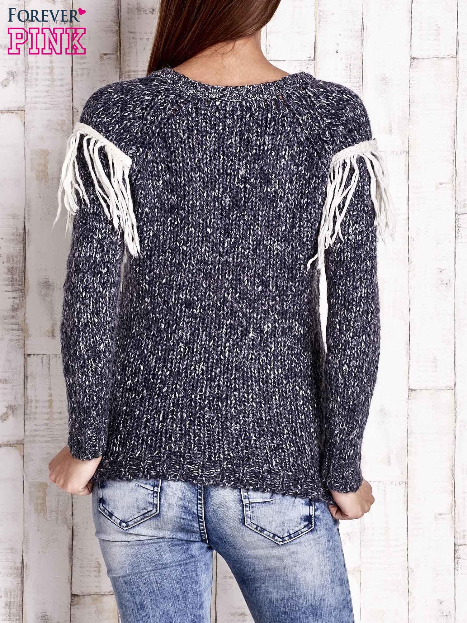 Granatowy wełniany sweter z frędzlami                                  zdj.                                  4