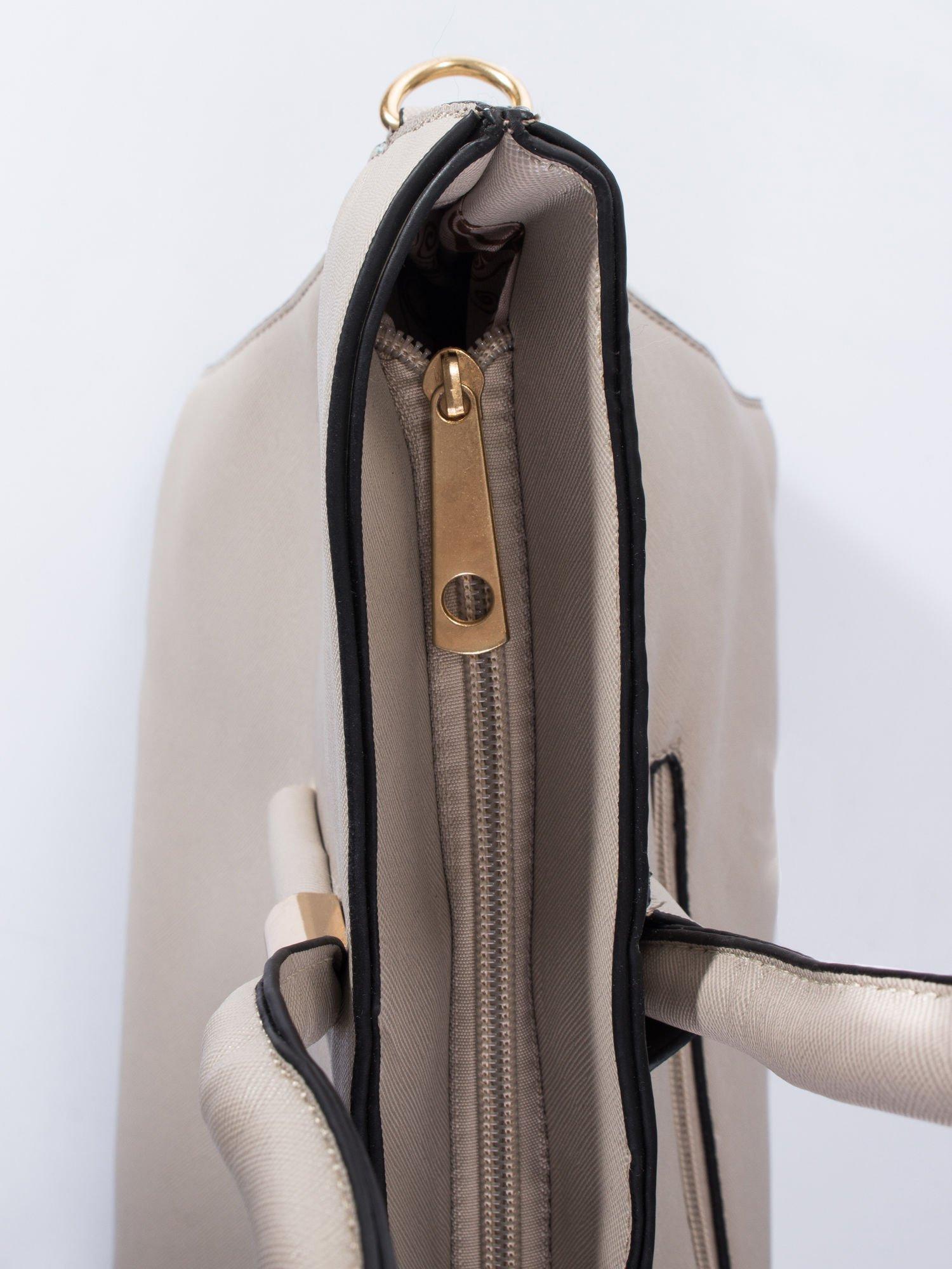 Jasnobeżowa torba shopper efekt saffiano                                  zdj.                                  5