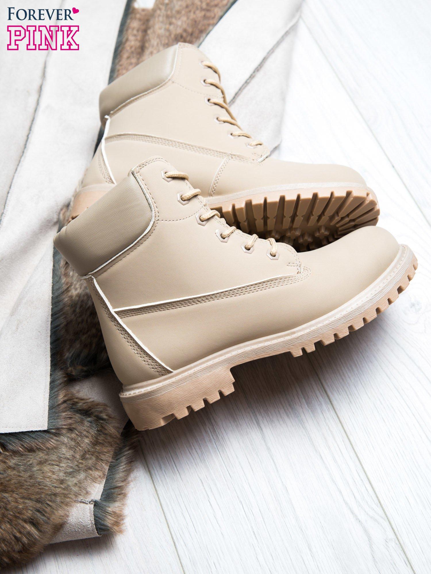 Jasnobeżowe jednolite buty trekkingowe damskie Westie traperki ocieplane                                  zdj.                                  2