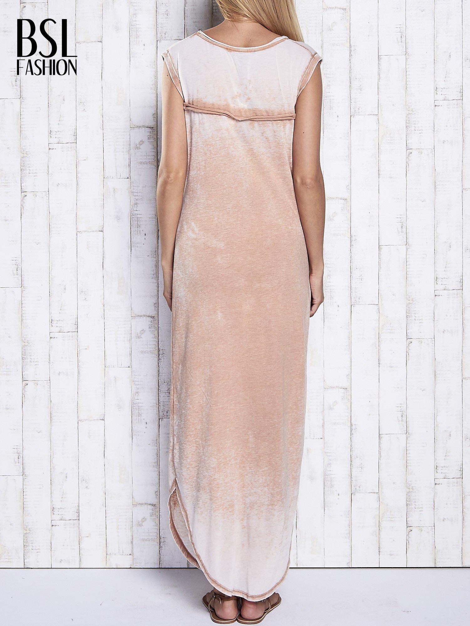 Jasnobrązowa długa sukienka acid wash                                   zdj.                                  2