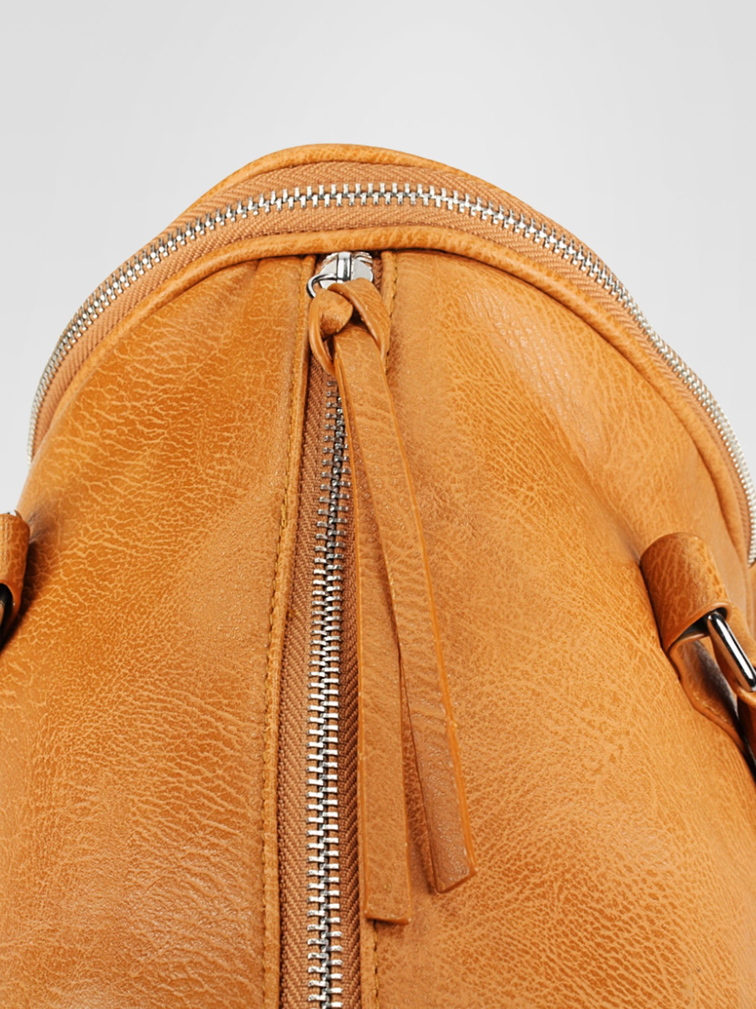 Jasnobrązowa torba bowling z suwakami                                  zdj.                                  7