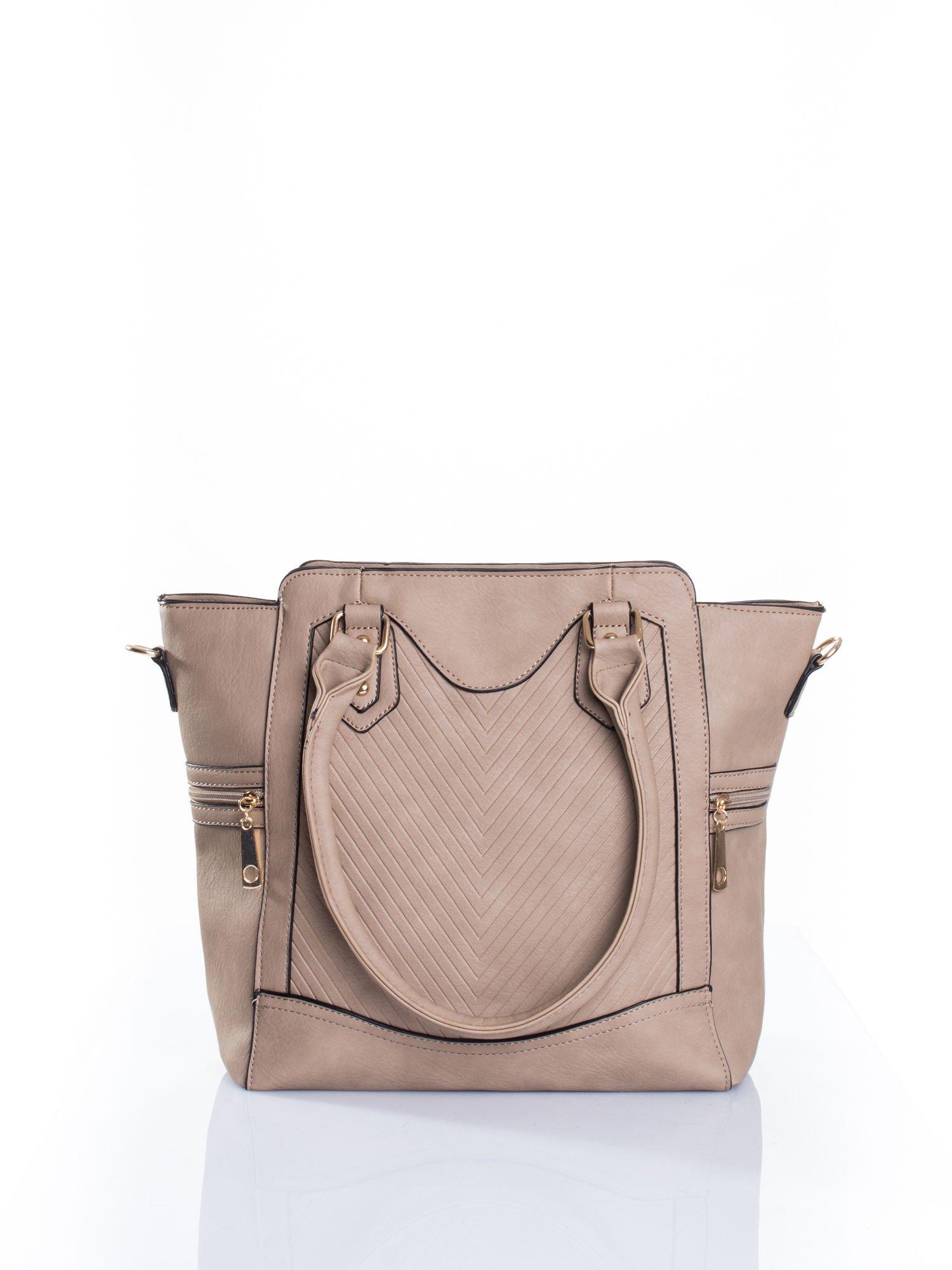 Jasnobrązowa torba ze złotymi wykończeniami                                  zdj.                                  1