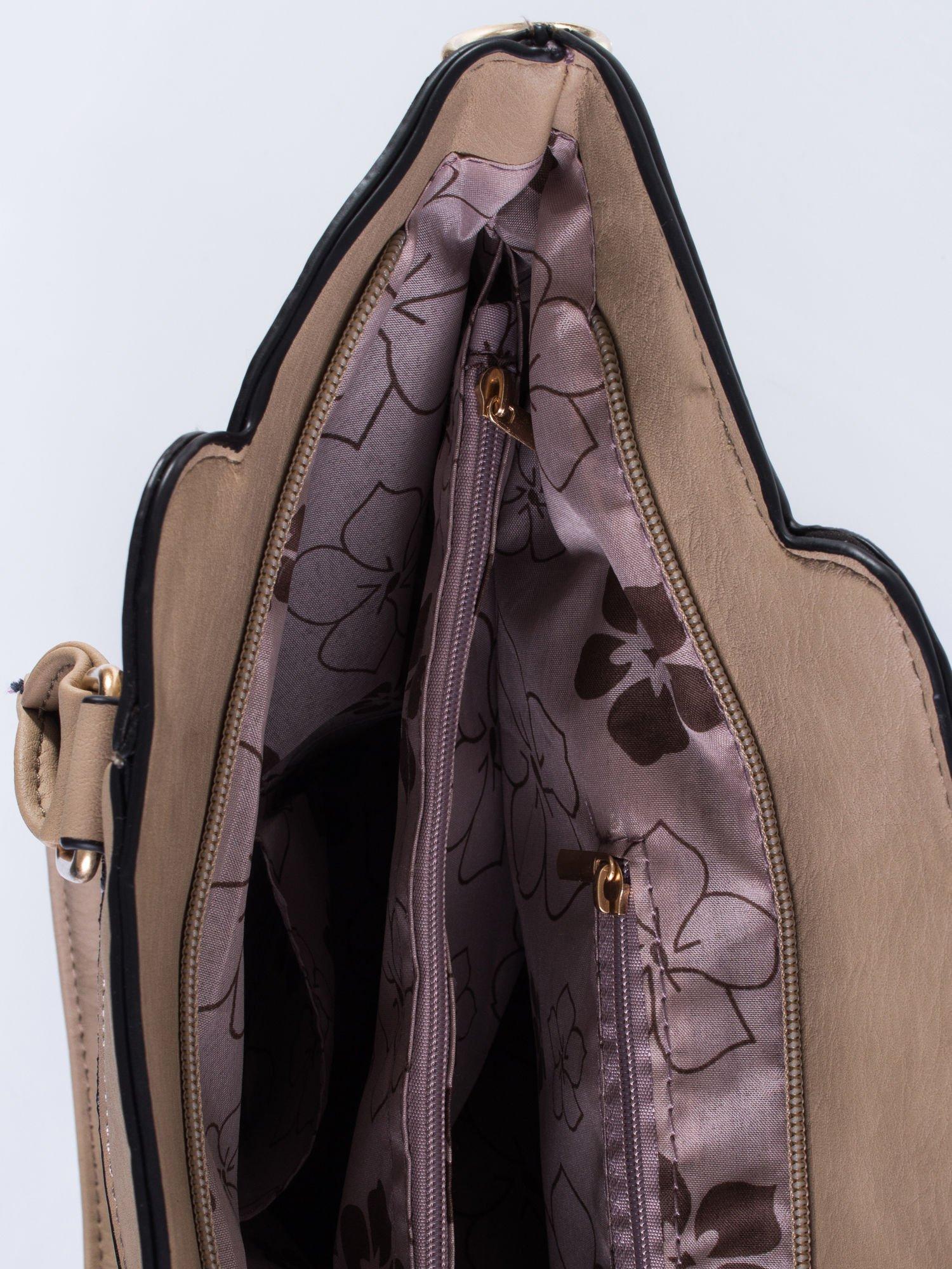 Jasnobrązowa torba ze złotymi wykończeniami                                  zdj.                                  7