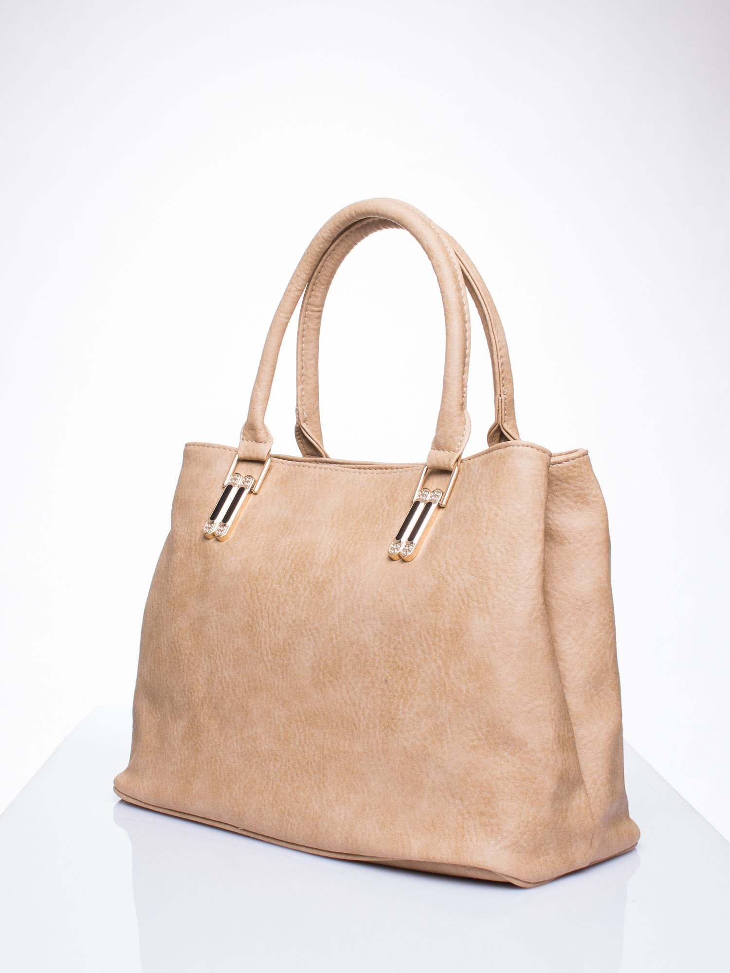 Jasnobrązowa torebka ze złotymi okuciami z kryształkami                                  zdj.                                  2