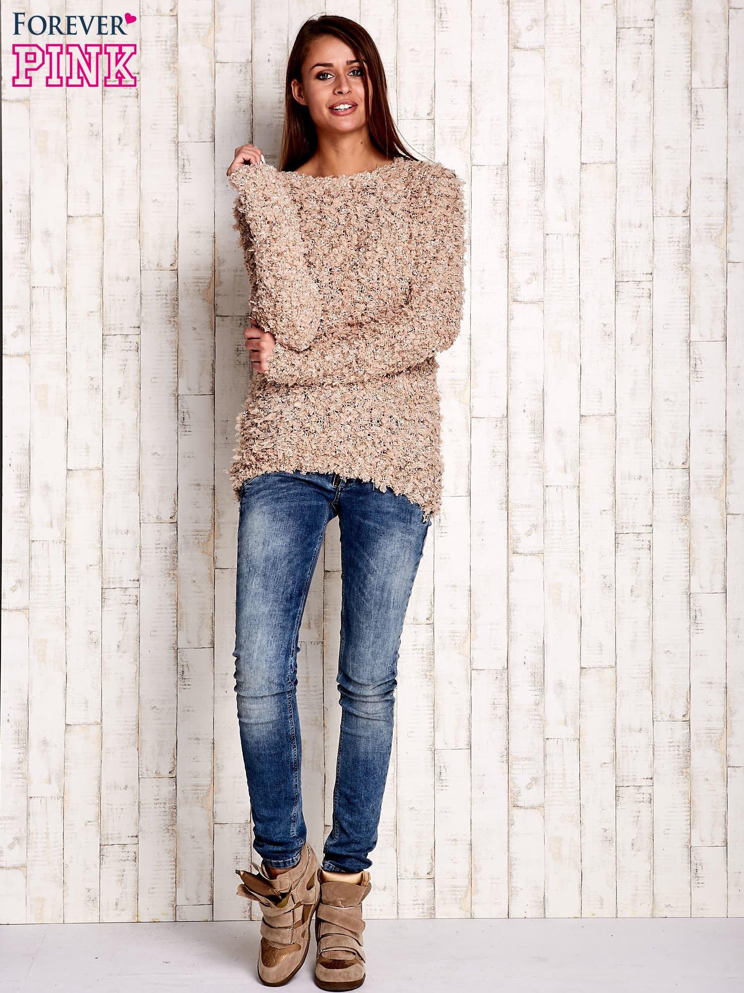 Jasnobrązowy włochaty sweter                                  zdj.                                  2
