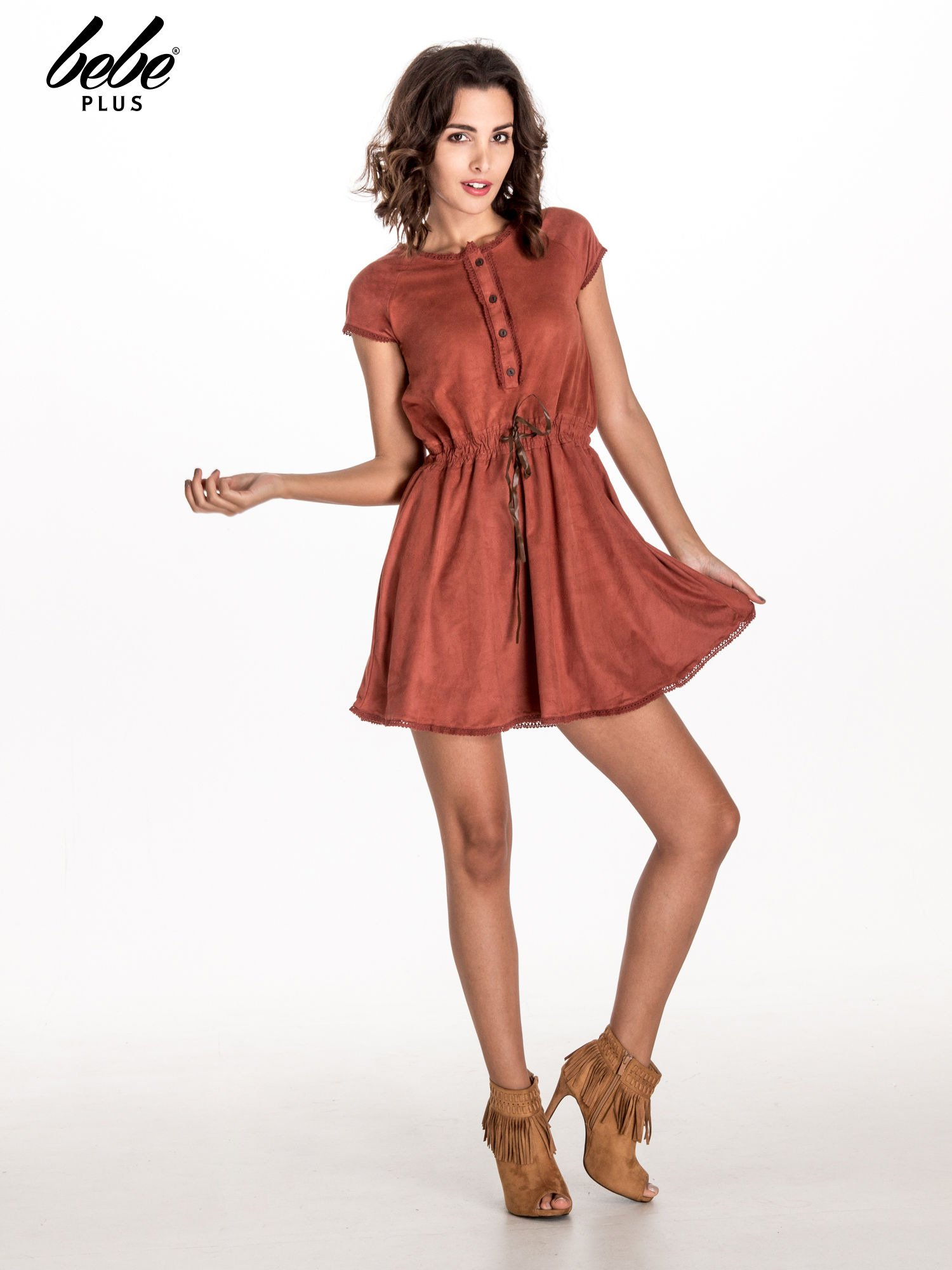 Jasnoczerwona sukienka z zamszu w stylu boho                                  zdj.                                  7